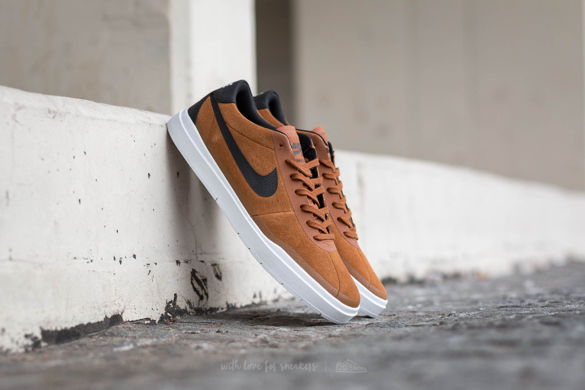 Montgomery Más temprano carga  Men's shoes Nike Bruin SB Hyperfeel Hazelnut/ Black-White   Footshop