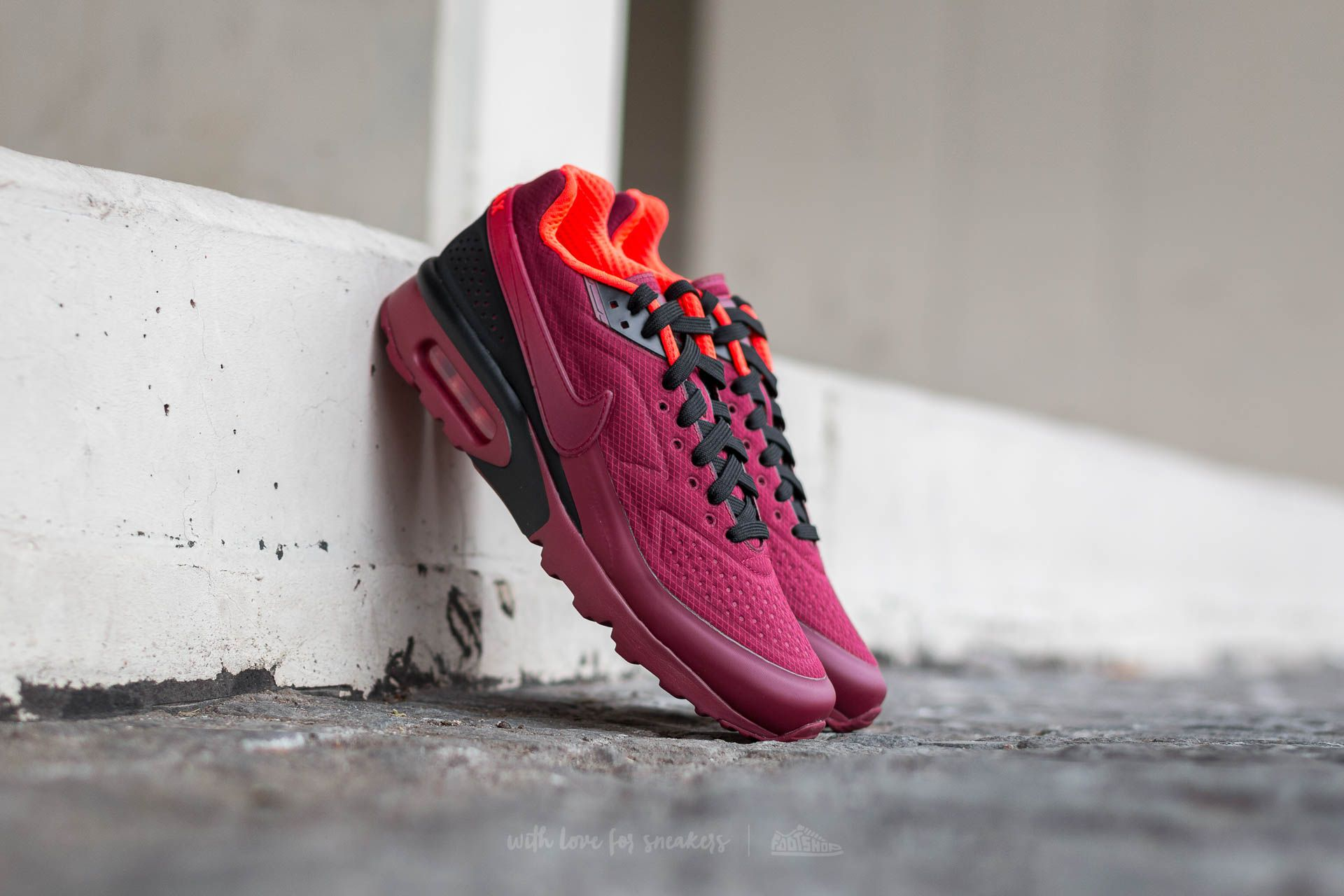 79f8da04567e7e Nike Air Max BW Ultra SE Team Red  Team Red