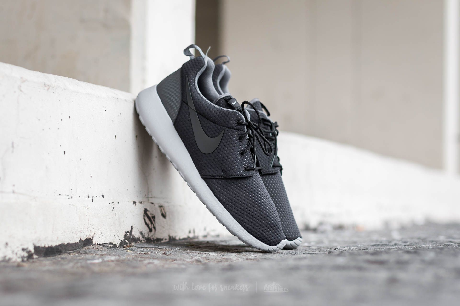 Nike Roshe One SE (Black Anthracite Dark Grey Wolf Grey)