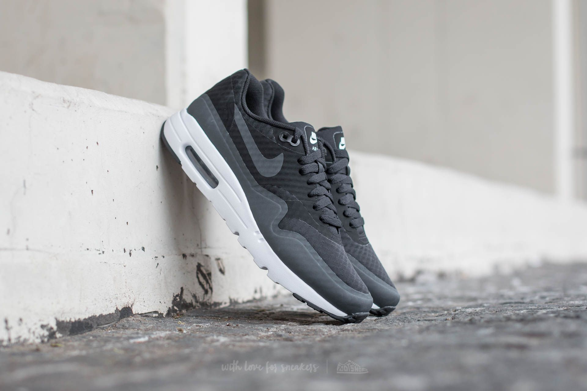 buy online 53467 8ab28 Nike Air Max 1 Ultra Essential. Black  Anthracite-White