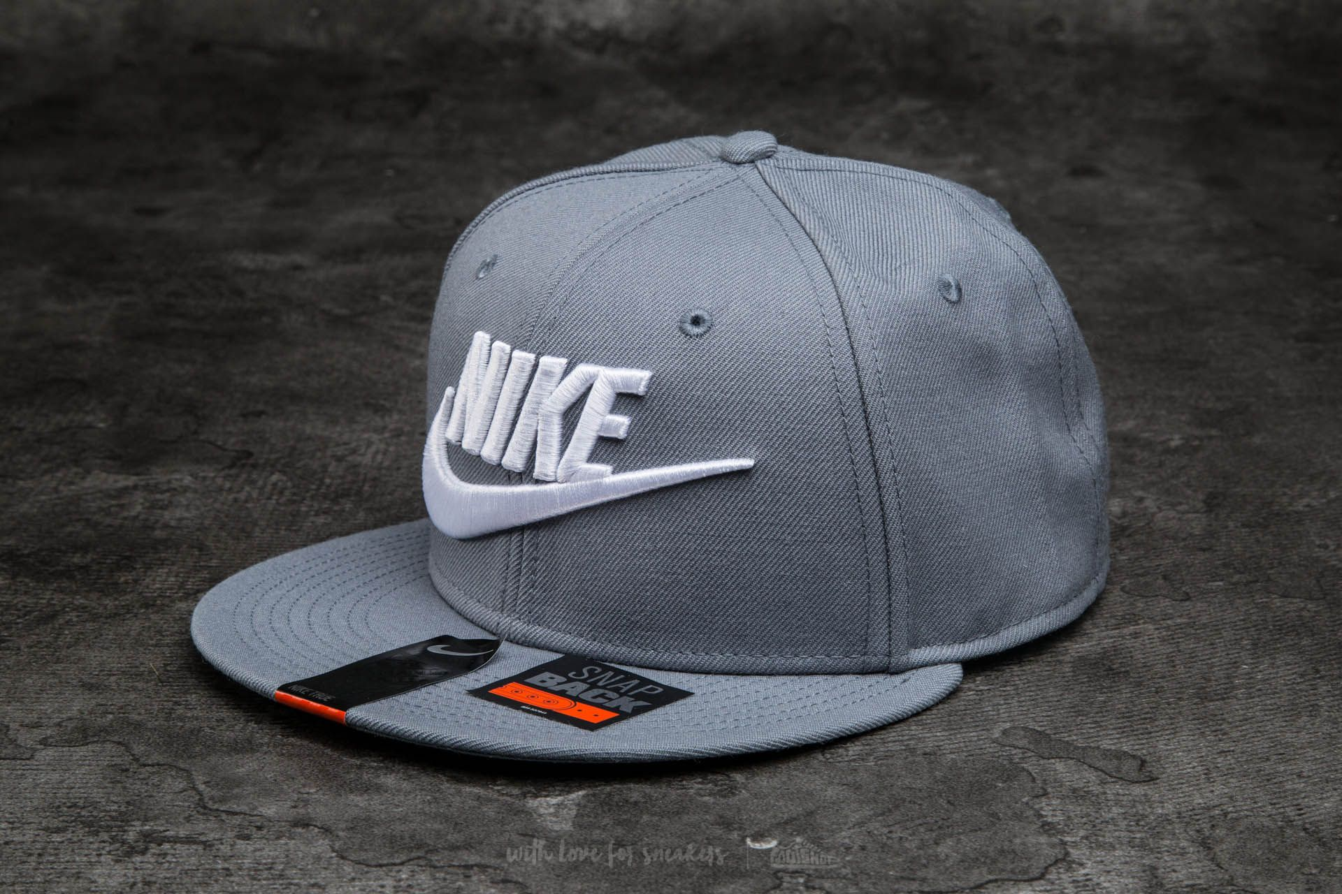 0448dc139f8dba Nike Futura True 2 Snapback Cool Grey/ White | Footshop