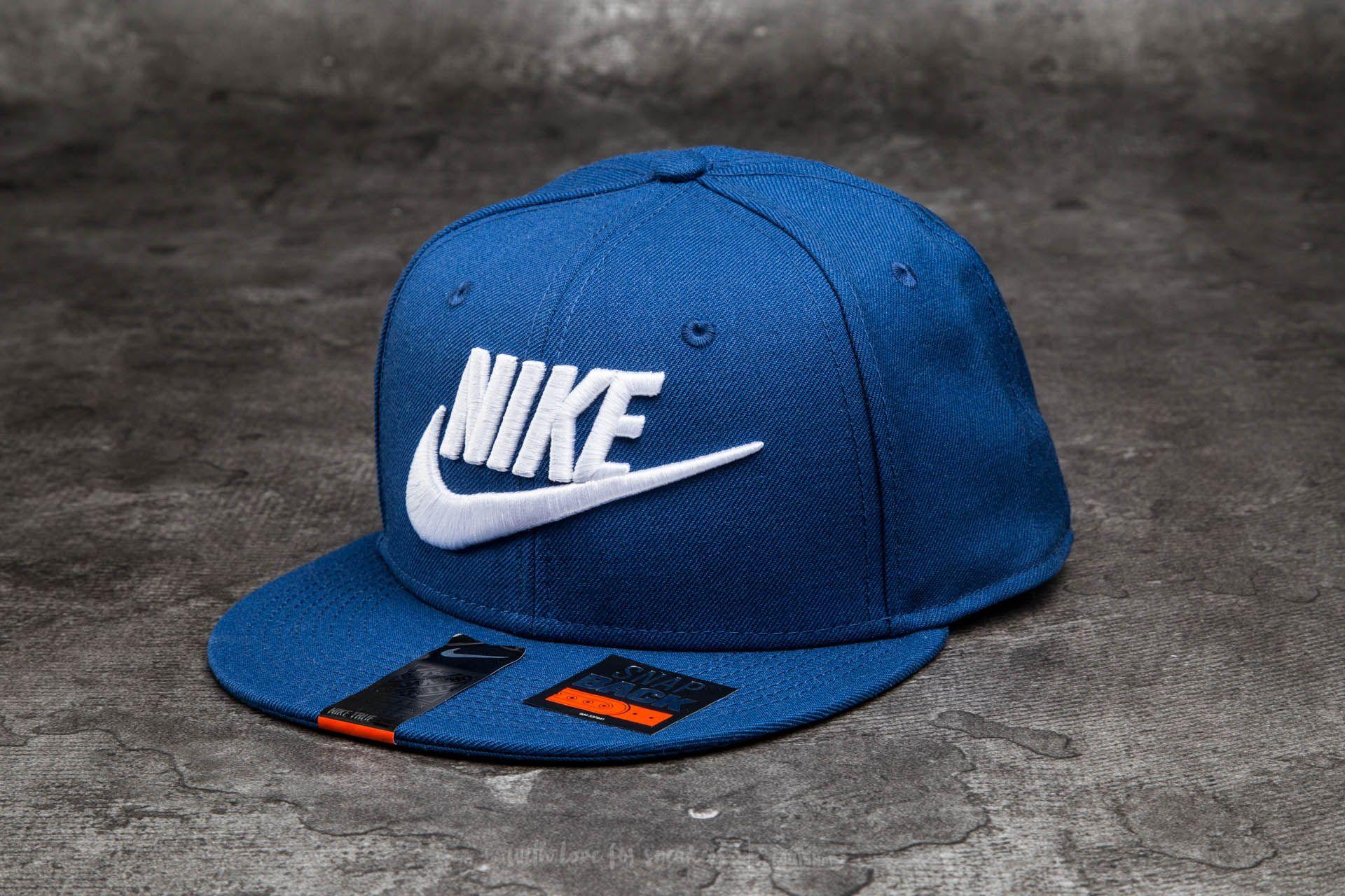 Nike Futura True 2 Snapback Ash  White  89229d9438fc