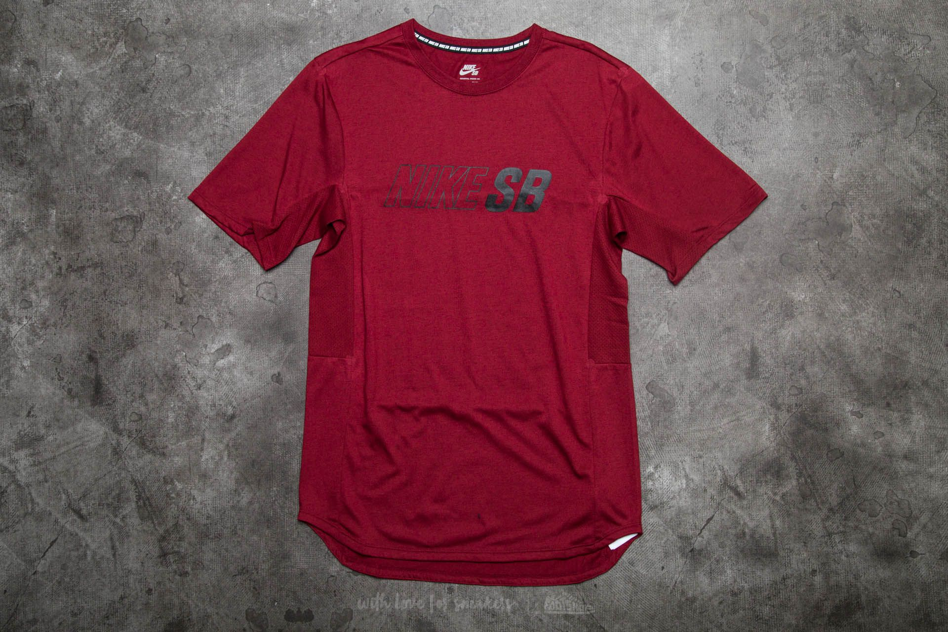 4f2ef978 Nike SB Skyline Dri-Fit Cool GFX Short Sleeve Tee Dark Cayenne/ Black