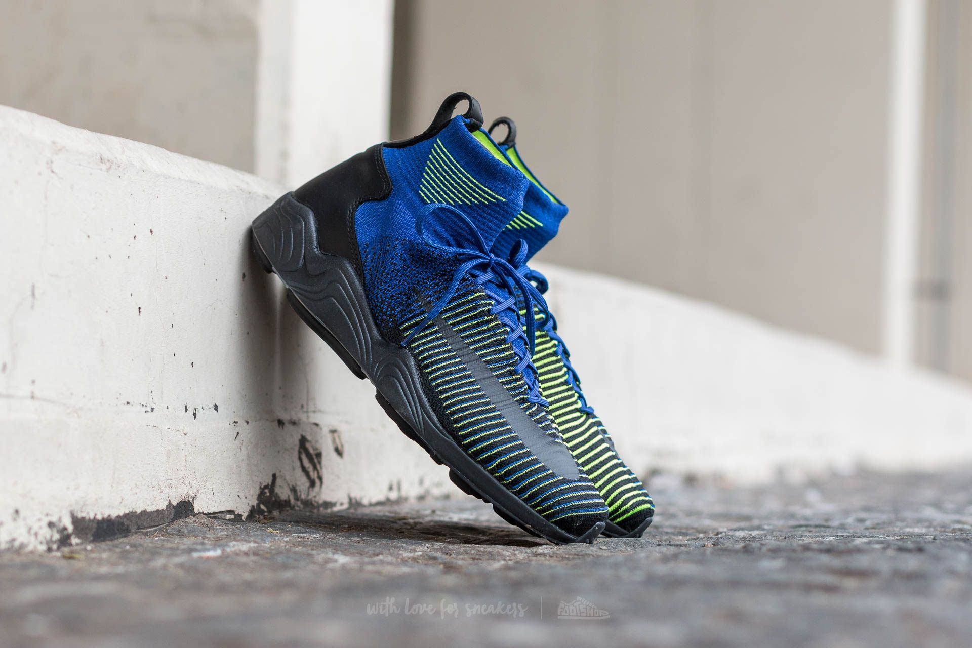 Nike Zoom Mercurial XI Flyknit Deep Royal Blue  Black-Volt  cd114e64e