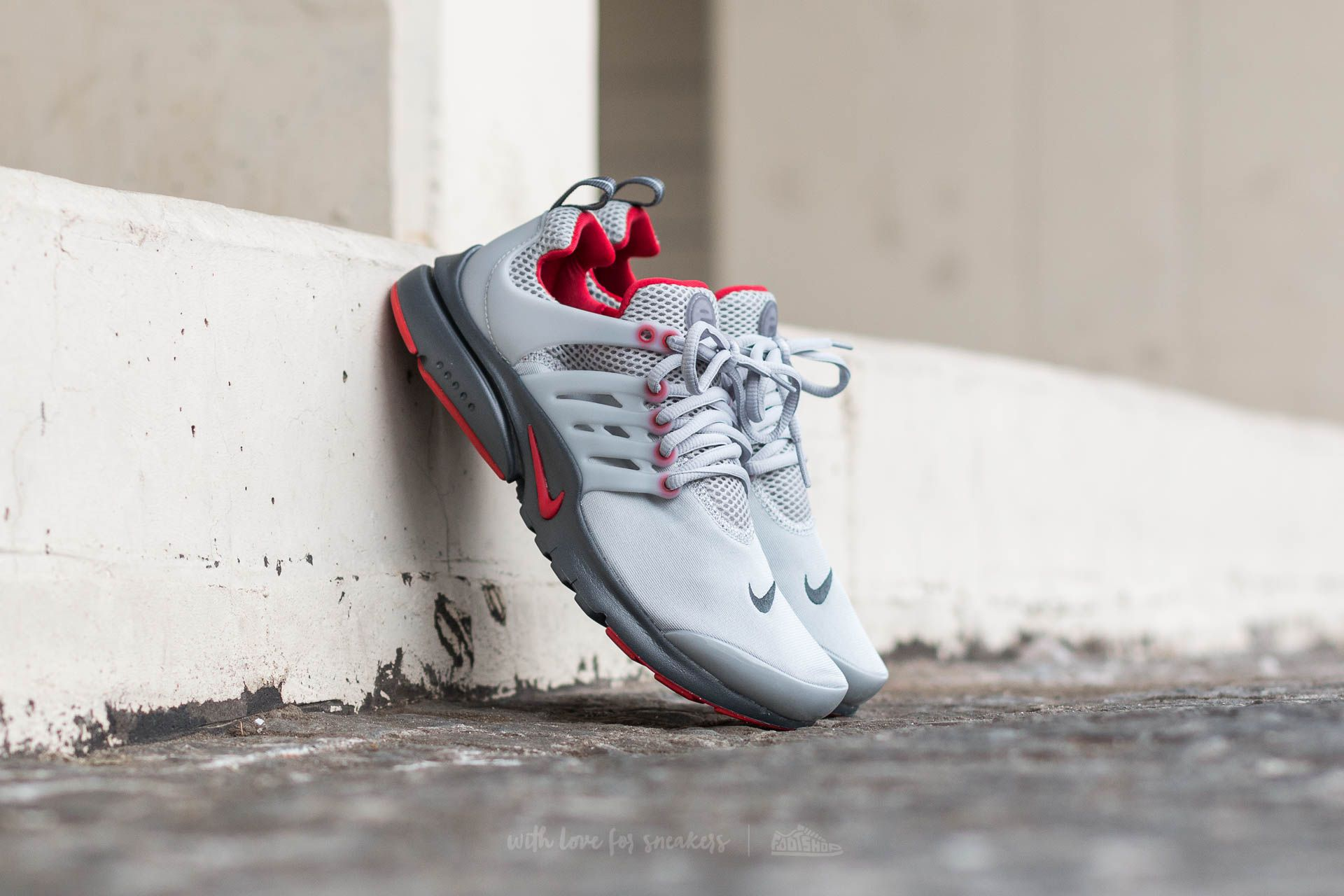 low priced 1ca26 7e3d9 Nike Presto (GS). Wolf Grey  Anthracite-Gym Red