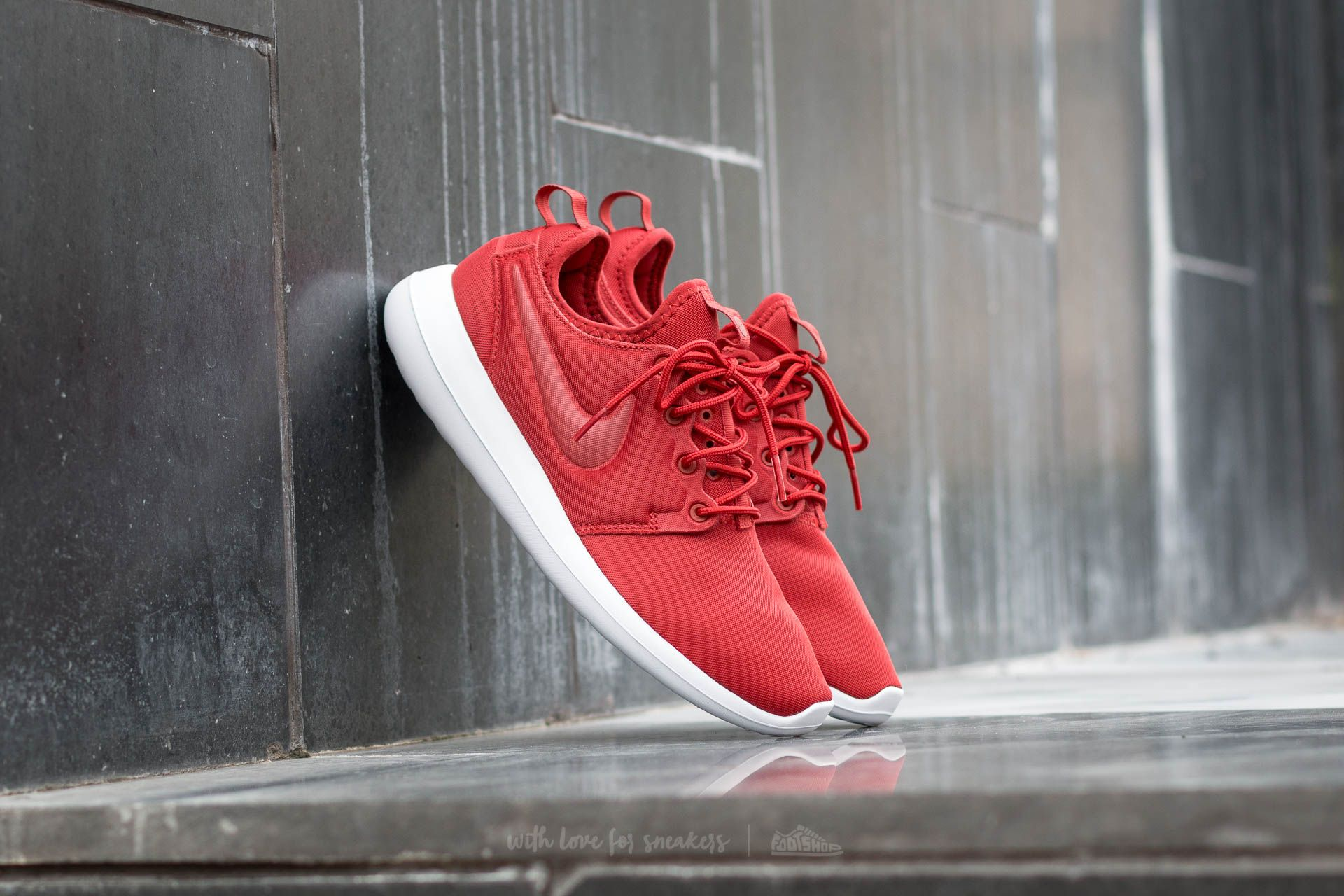 official photos ec15c 0d47d Nike W Roshe Two. Dark Cayenne  Dark Cayenne
