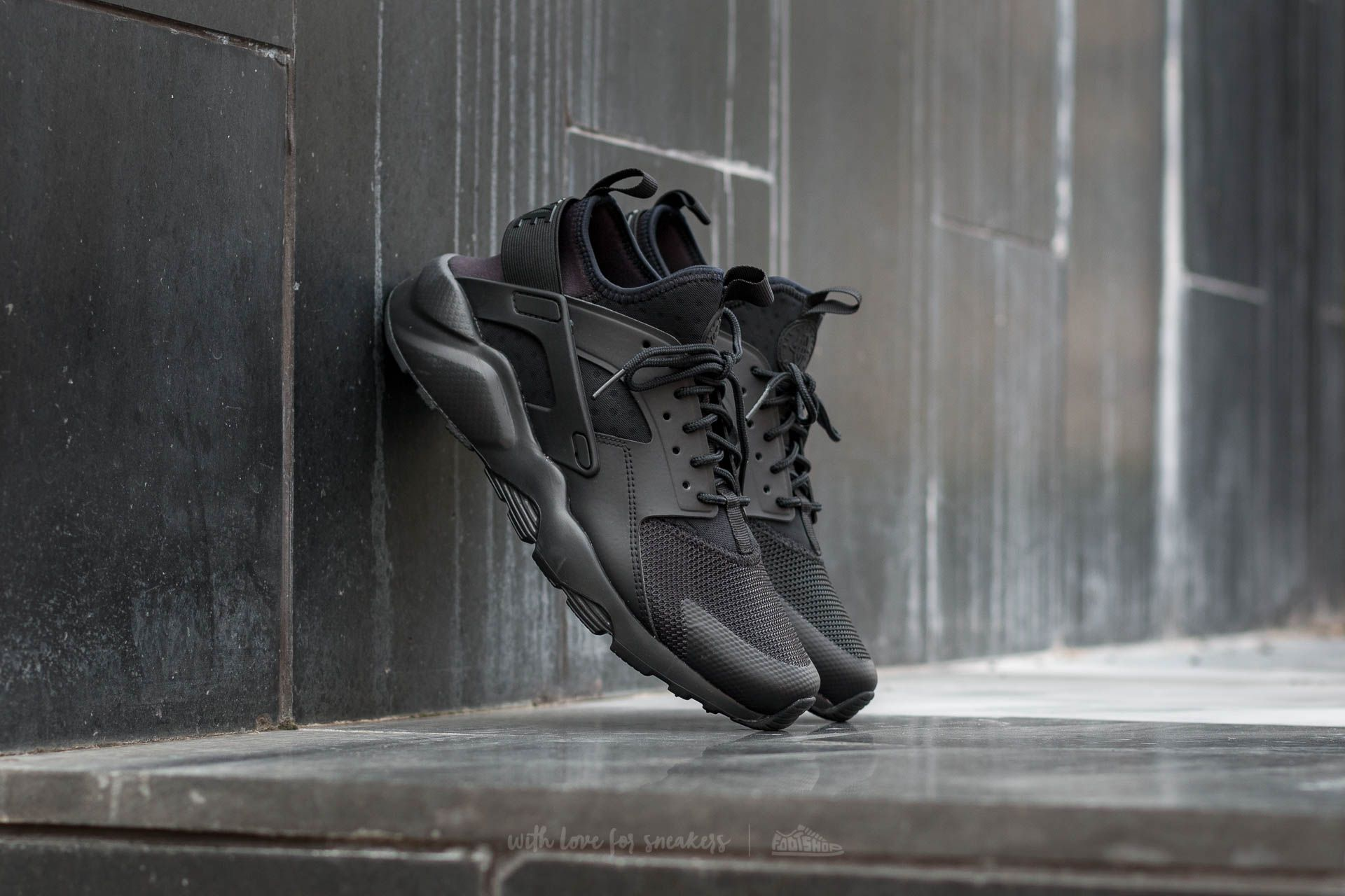 737f15345662 Nike Air Huarache Run Ultra Black  Black-Black at a great price 128 €