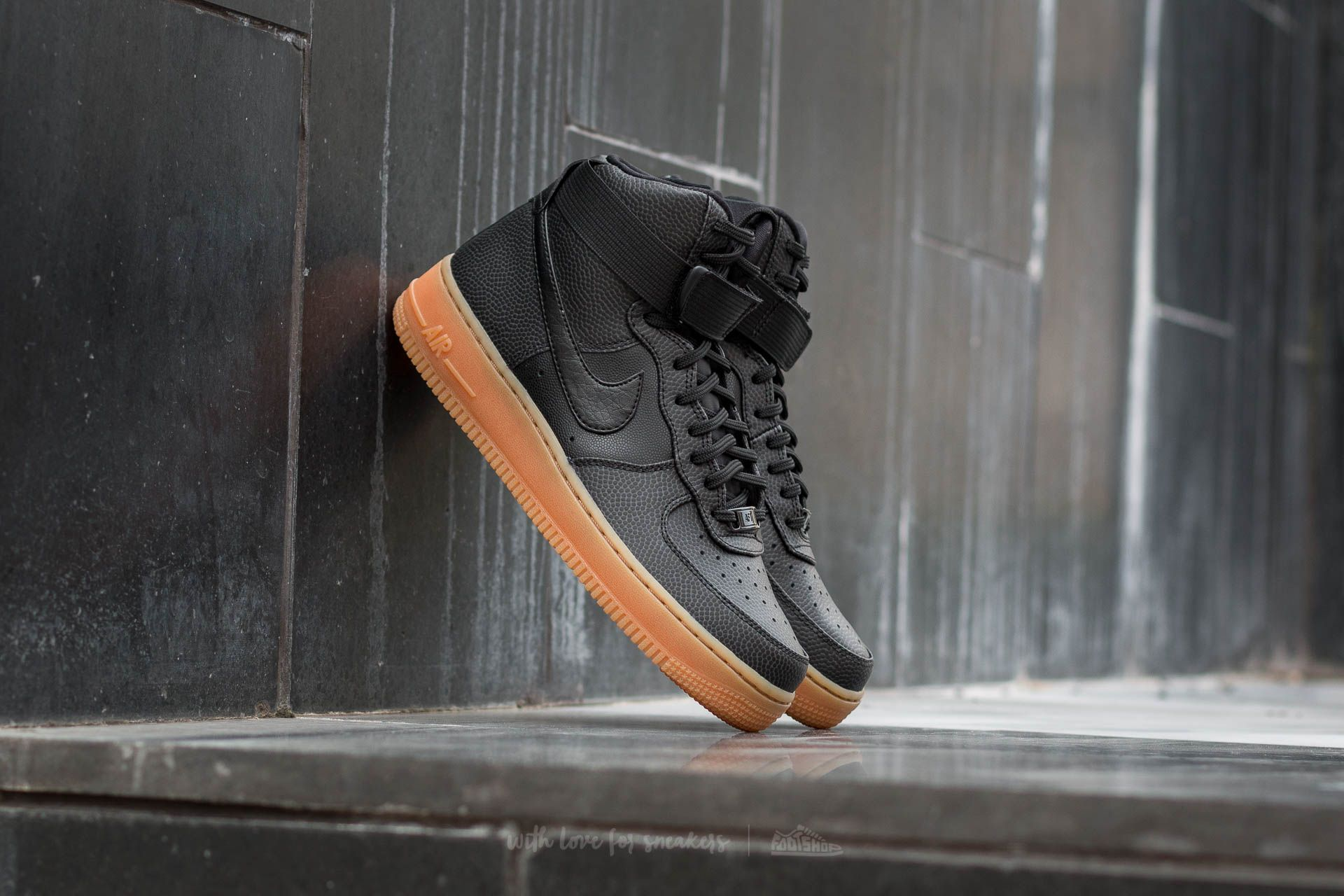 sports shoes 858fc d92d2 Nike Wmns Air Force 1 High SE. Black  Black-Dark Grey