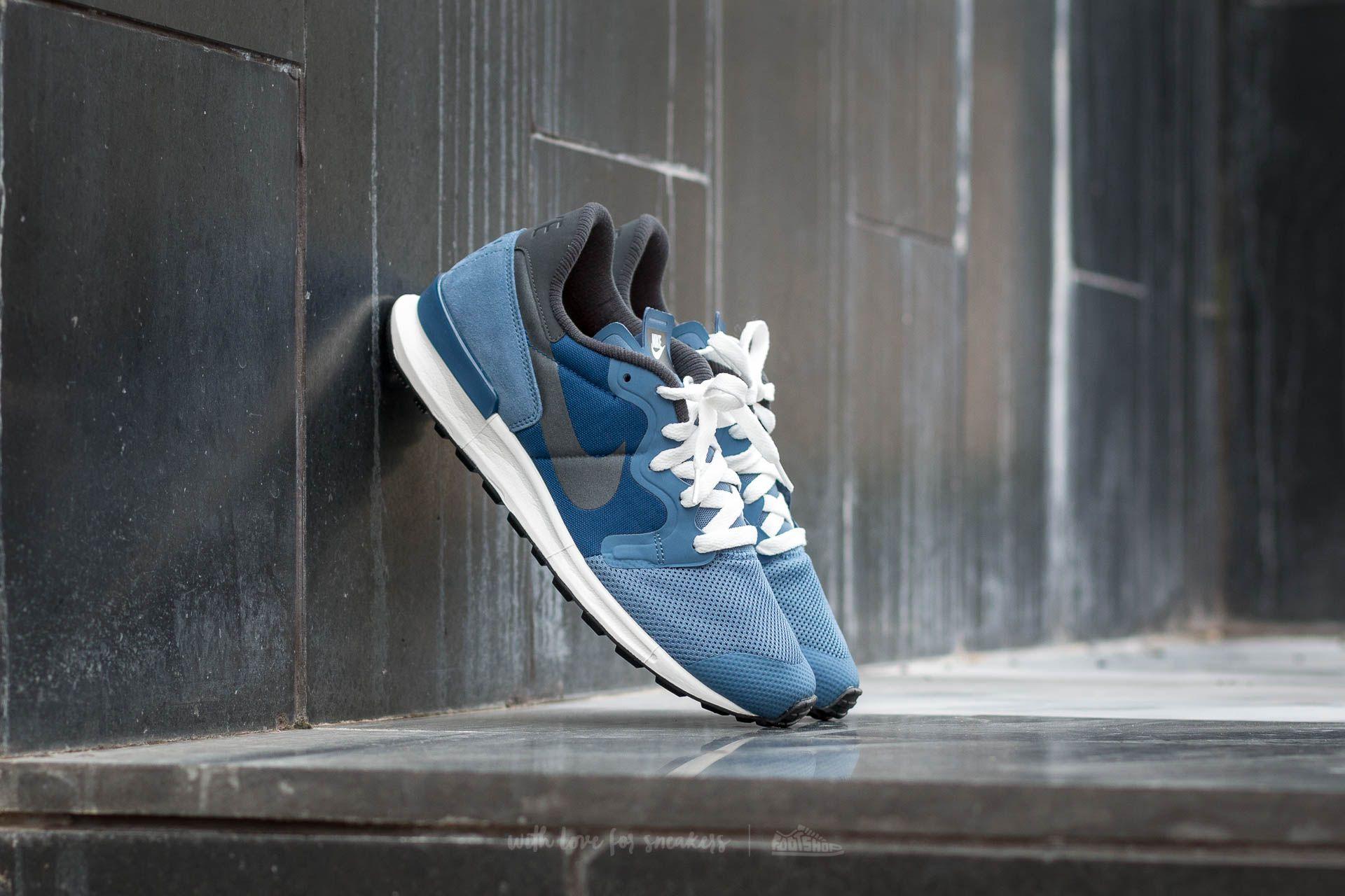 size 40 07745 625c7 Nike Air Berwuda