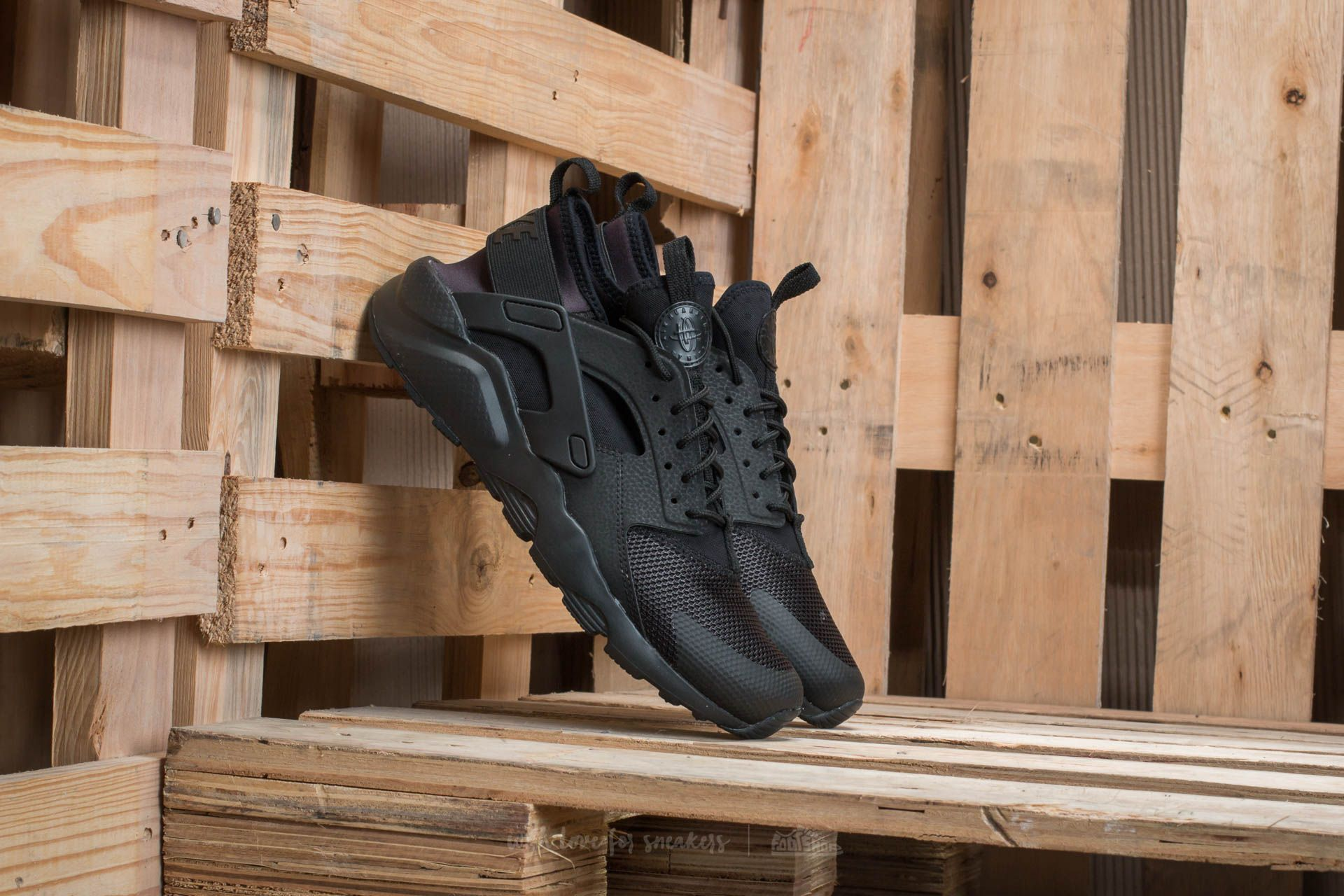 16de7b5d Nike Air Huarache Run Ultra Gs Black/ Black at a great price 208 лв купете