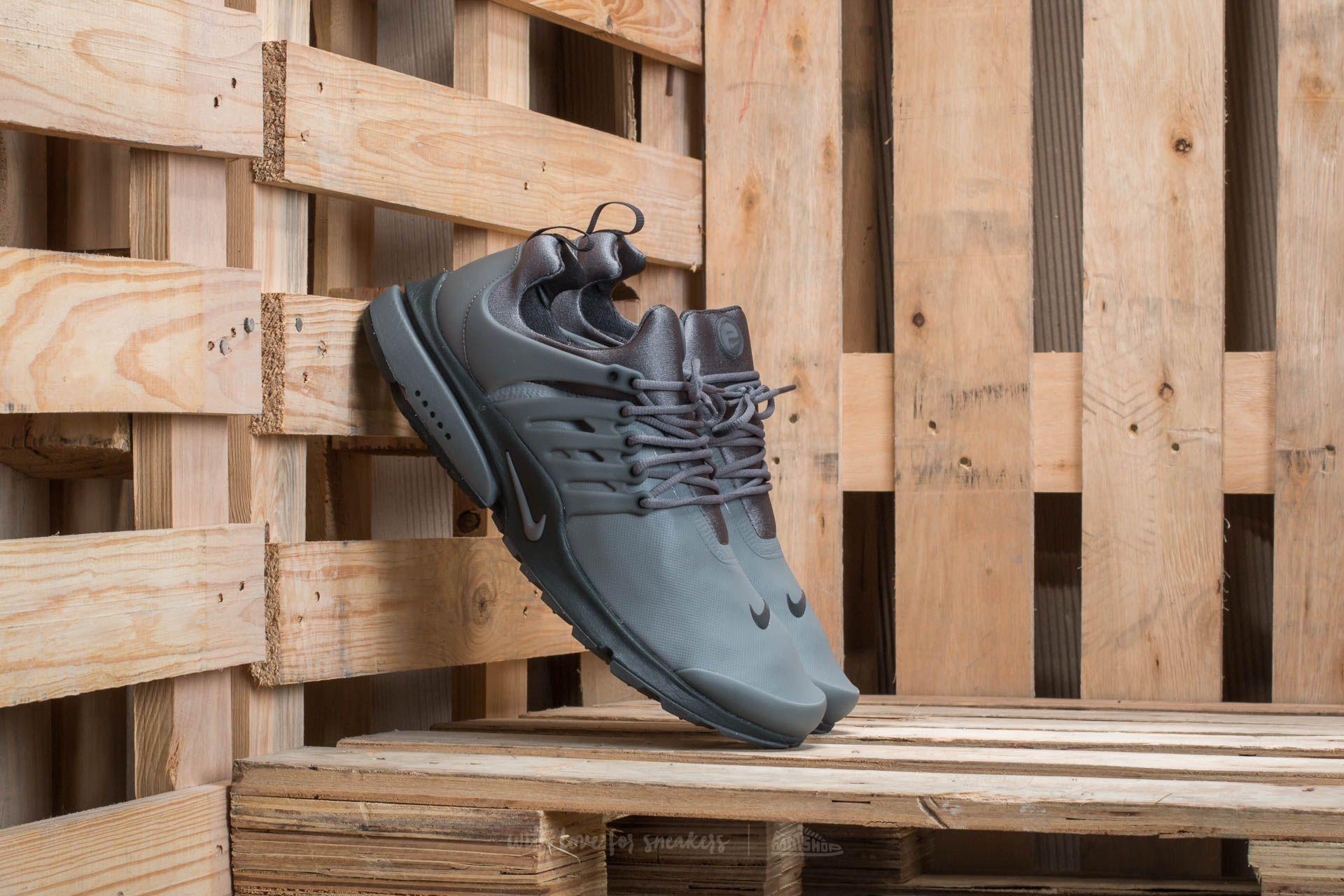 e49228b1a2e2 Nike Air Presto Low Utility Dark Grey  Dark Grey-Anthracite