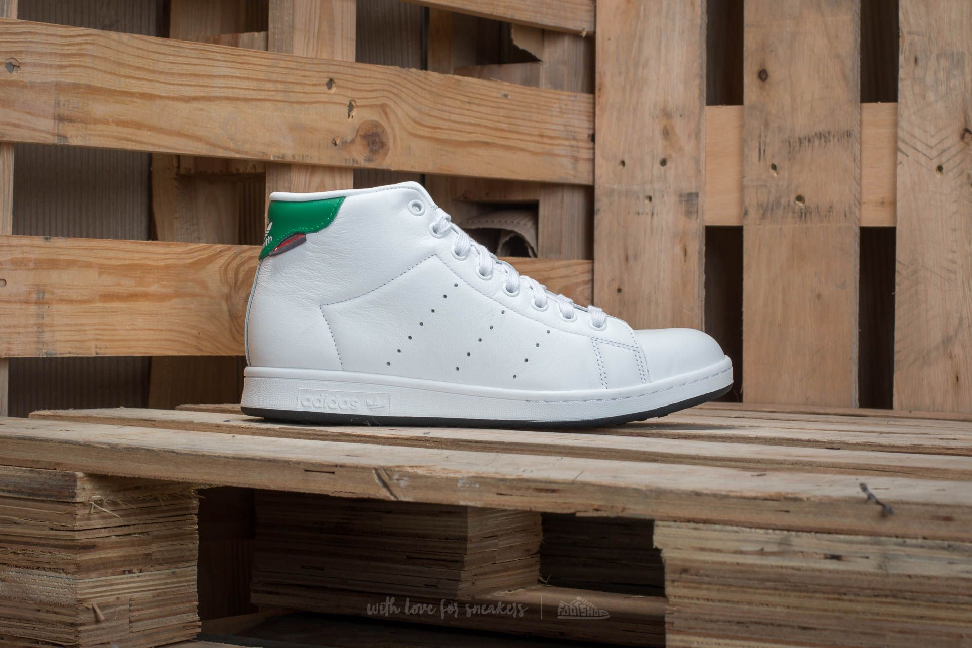 f2ae300e437 adidas Stan Smith Winter Ftw White  Ftw White  Green at a great price 73