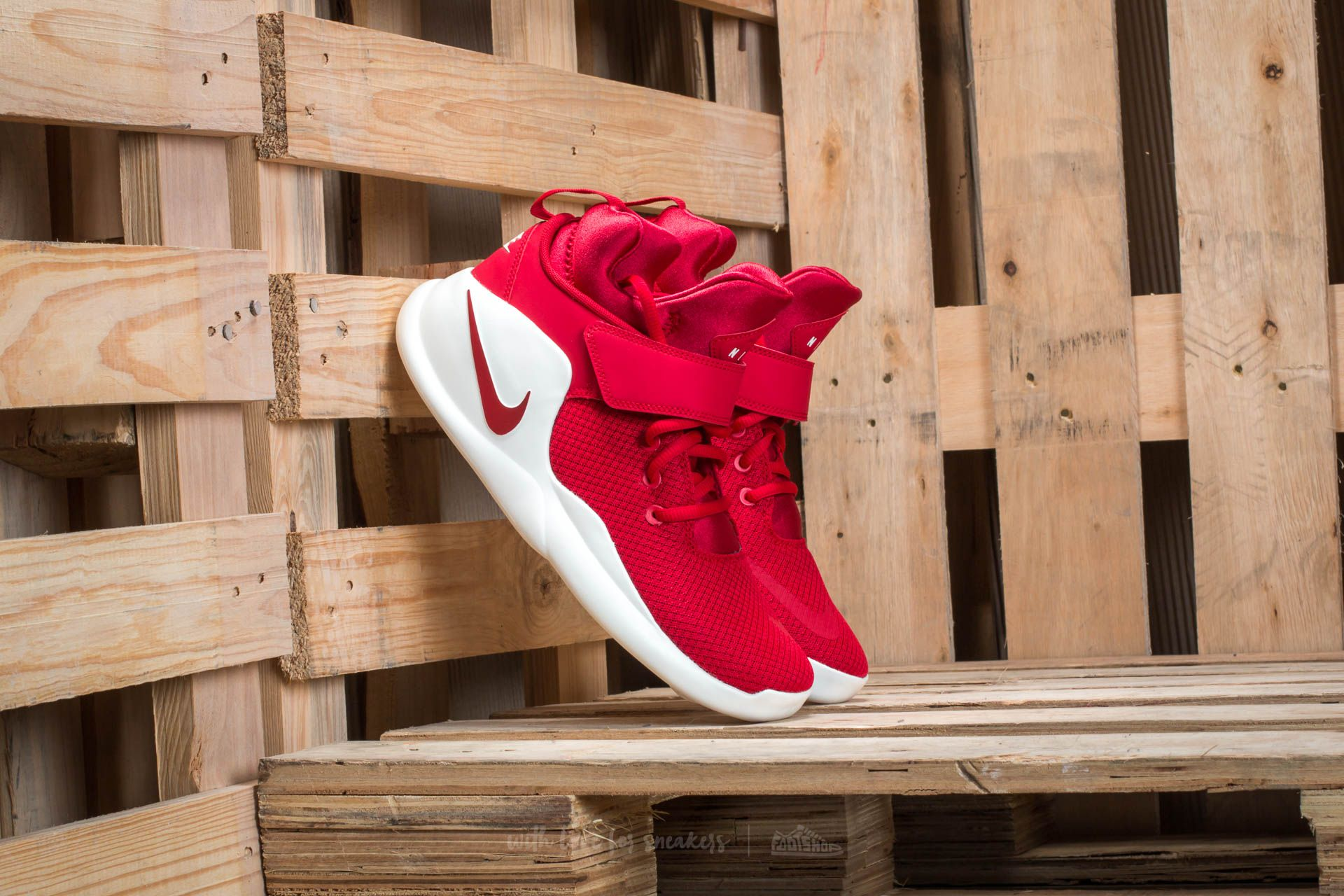 Men's shoes Nike Kwazi Gym Red/ Gym Red