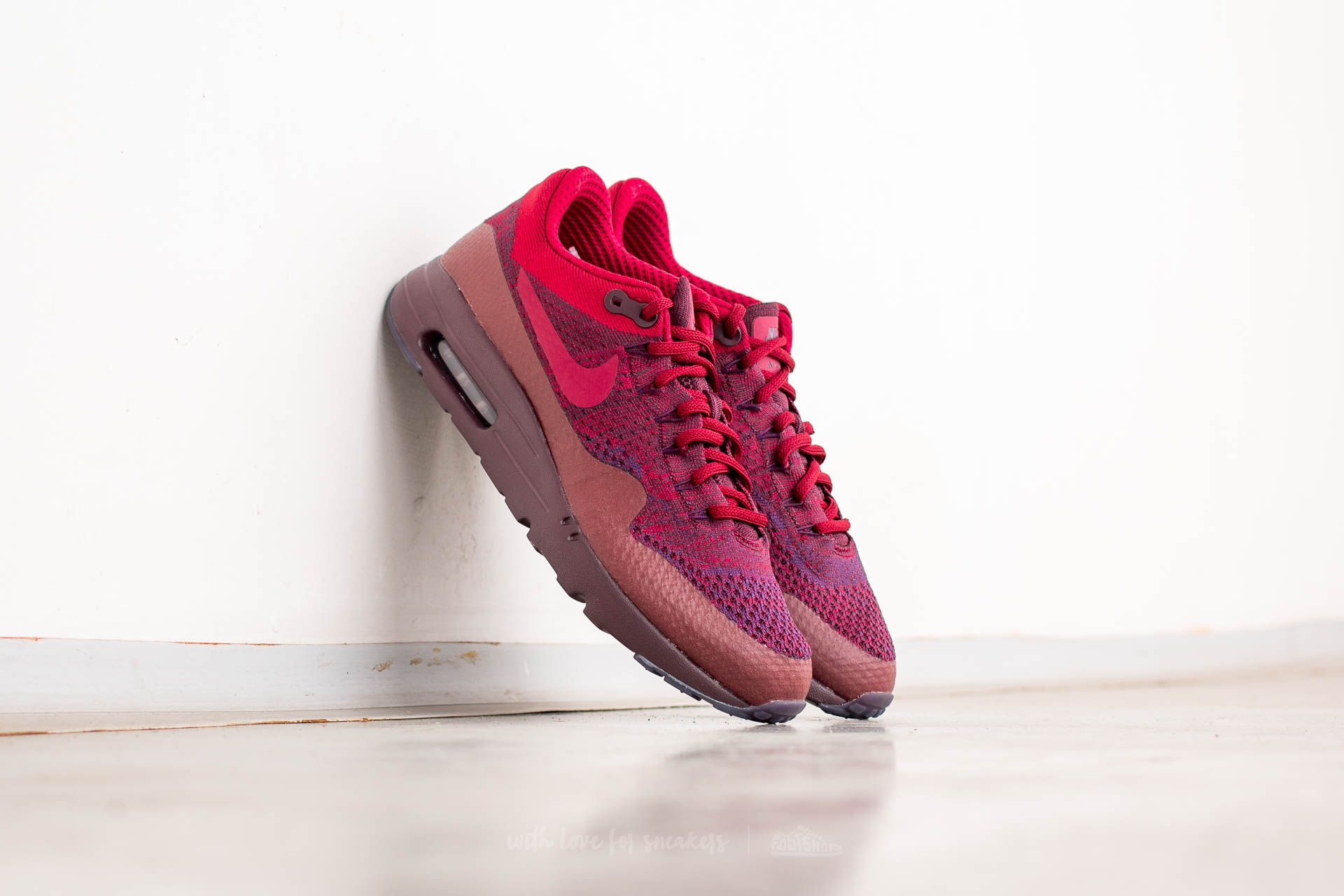 huge selection of 36df9 73489 Nike Air Max 1 Ultra Flyknit. Grand Purple  Team Red