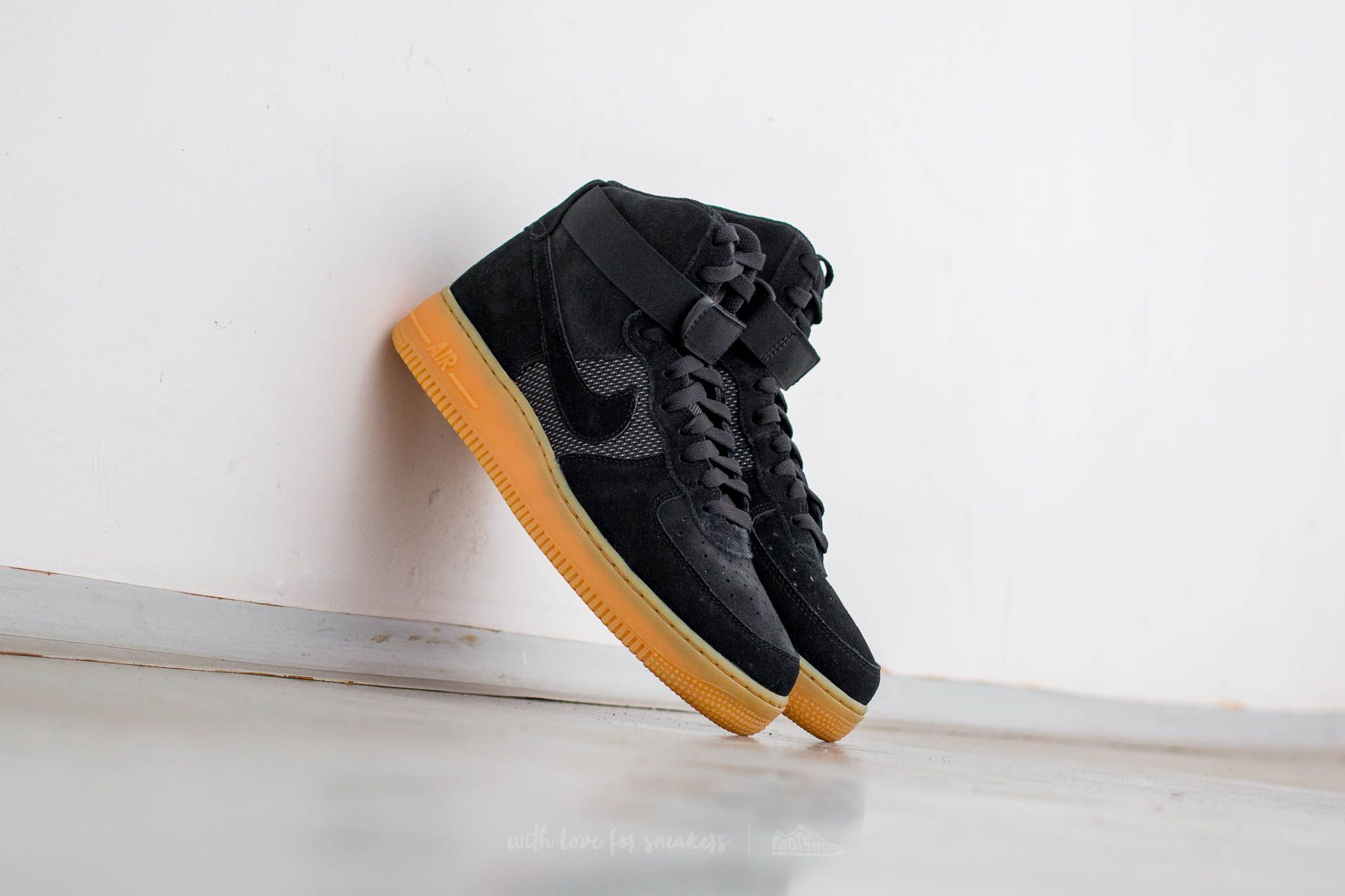 new product c1197 d2828 Nike Air Force 1 High  07 LV8