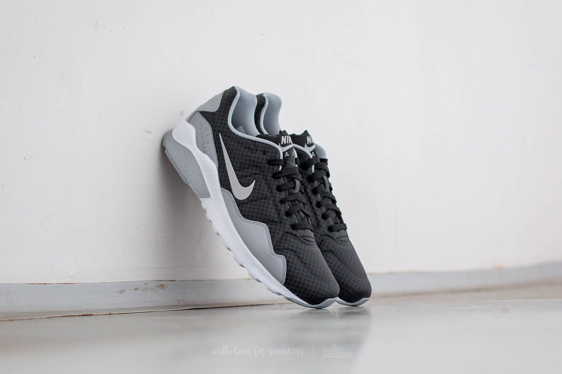 huge discount 8c397 825dd Nike Air Zoom Pegasus 92 Premium