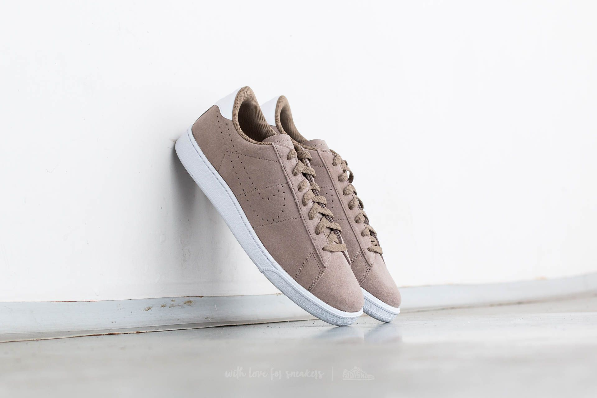 Nike Tennis Classic CS Suede Khaki Khaki White   Footshop