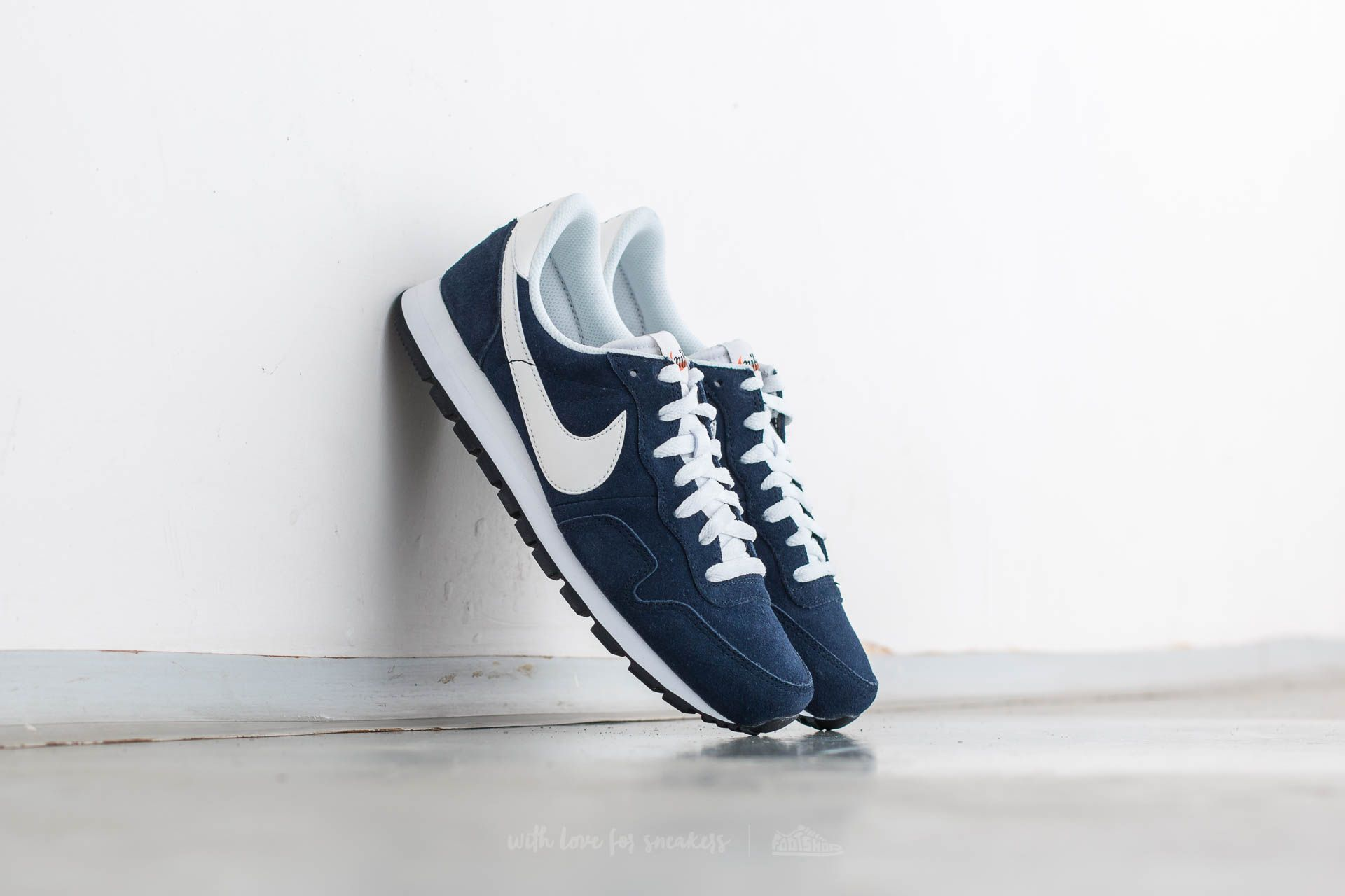Joven soborno Hecho de  Men's shoes Nike Air Pegasus 83 Leather Dark Obsidian/ Summit White |  Footshop