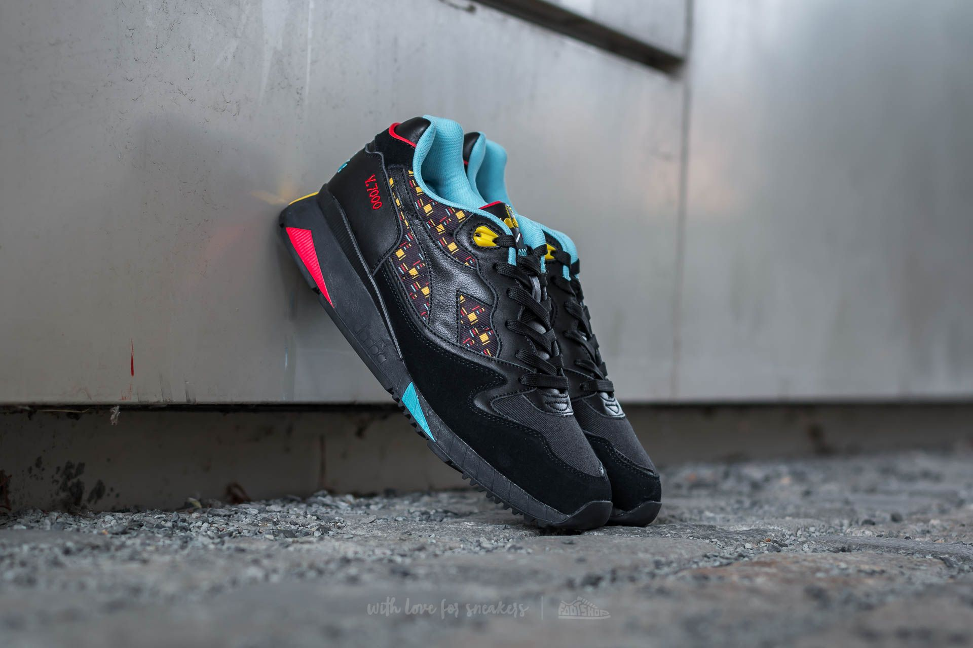 Diadora Men's V7000 Little Italy Black Athletic Shoe | Shoes