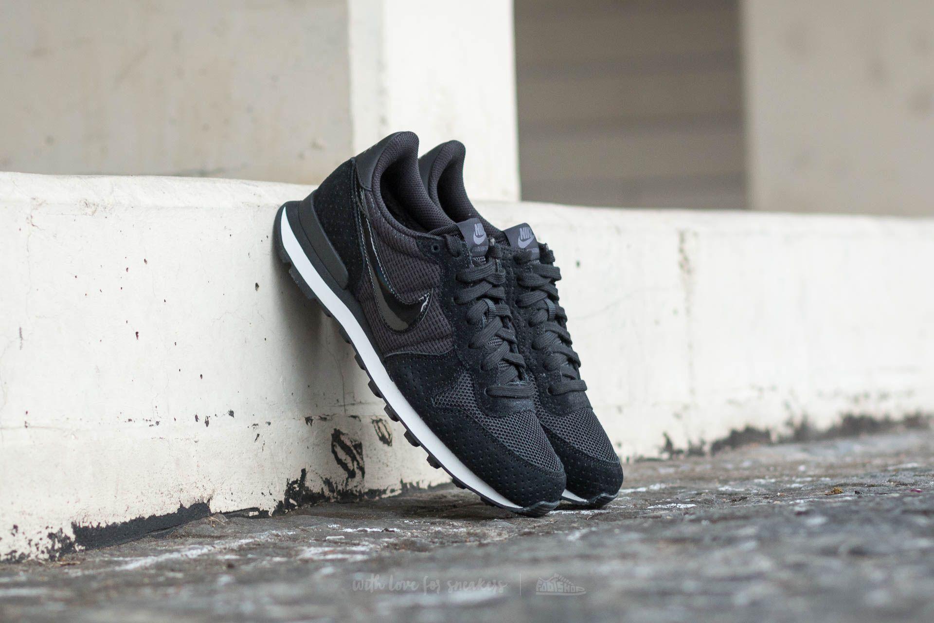 Nike Sportswear INTERNATIONALIST Sneaker low blackdark