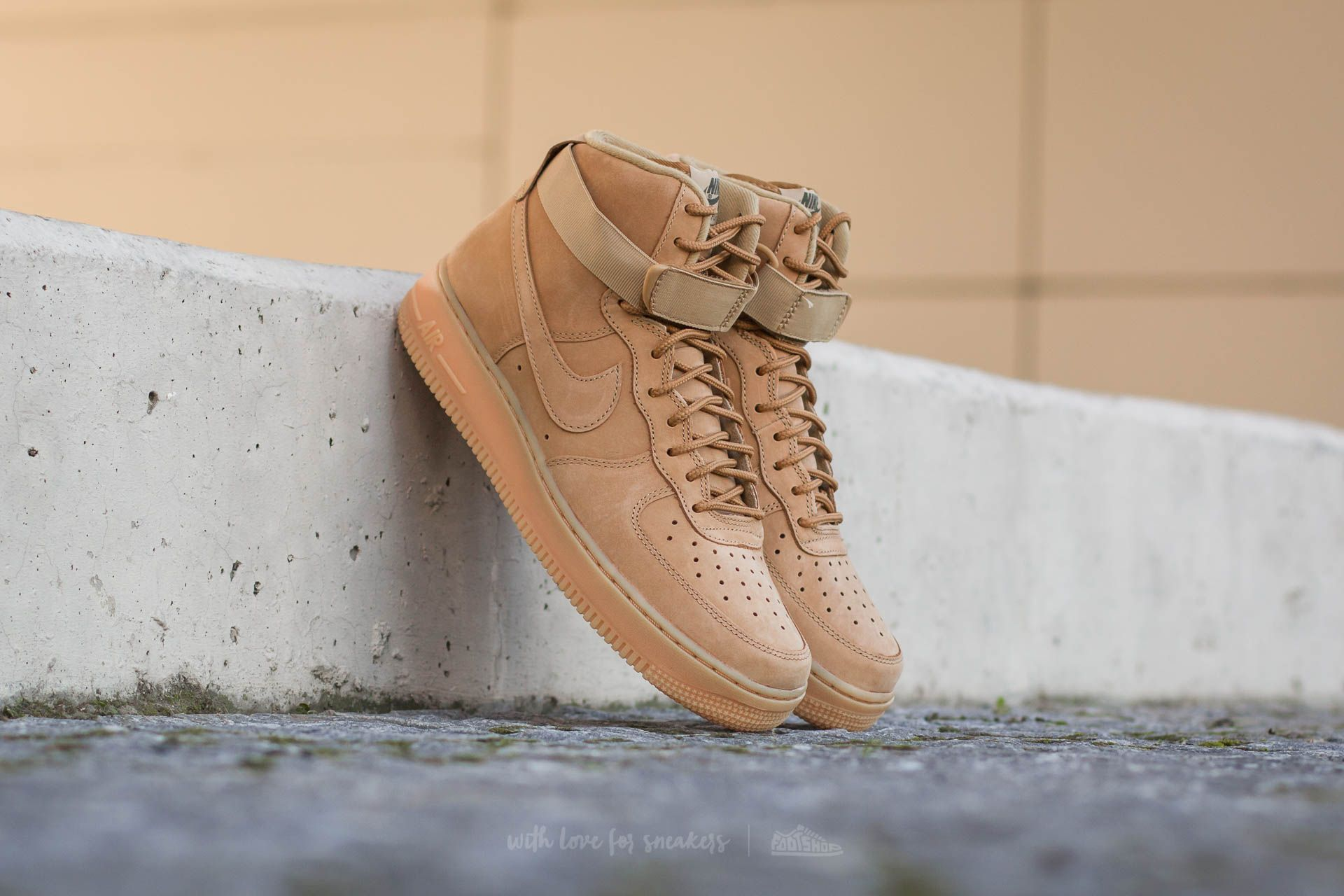 premium selection 0d8d9 4f50f Nike Air Force 1 High 07 LV8 WB