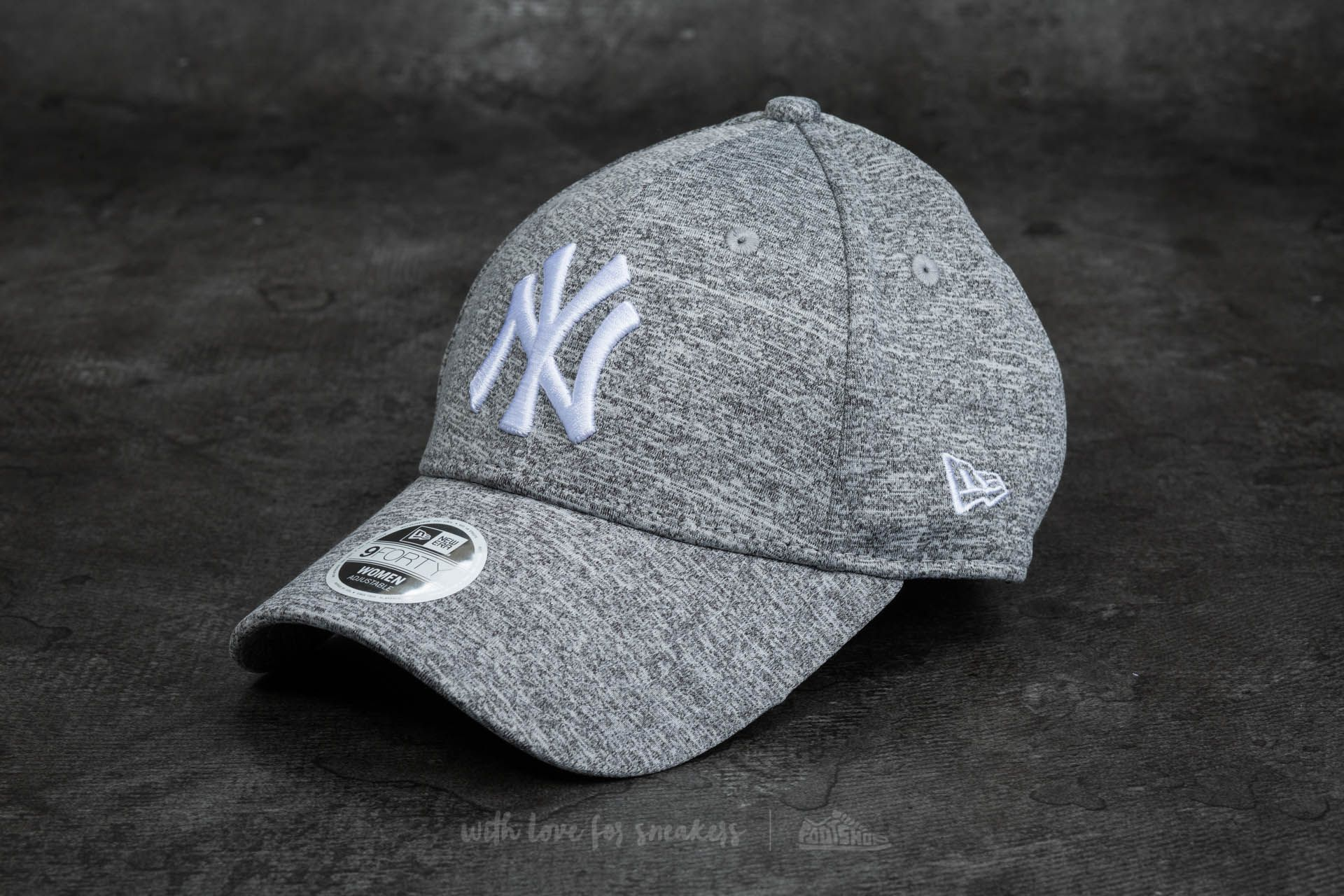 New Era 9Forty Women Adjustable Jersey Fleck New York Yankees Cap Gray fe6f55ee41dd