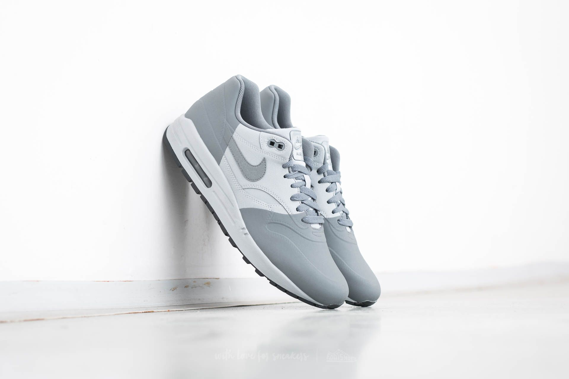 detailed look b028a 4665b Nike Air Max 1 Premium SE. Wolf Grey  Cool Grey-Anthracite