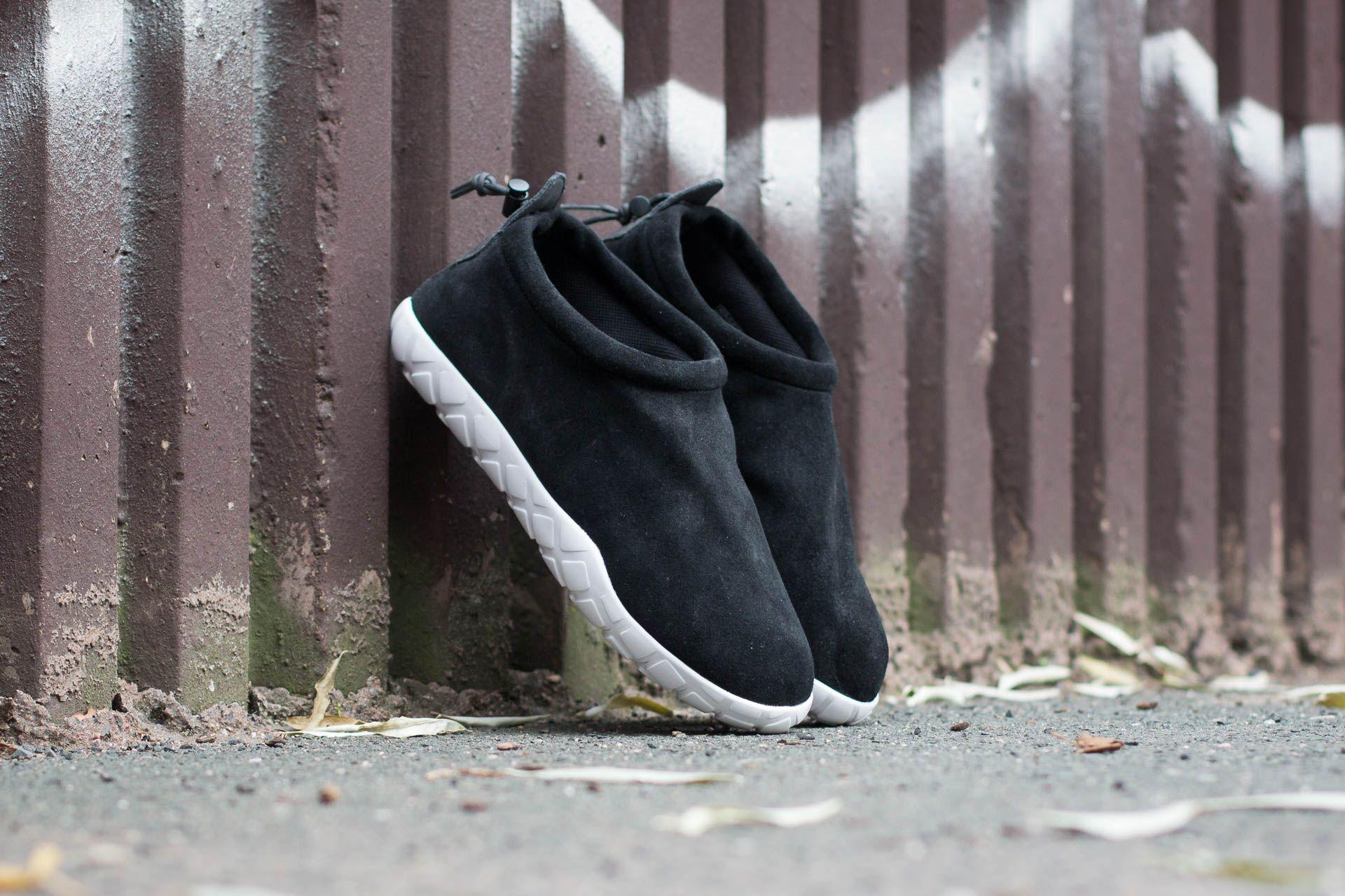buy popular 2cf96 71386 Nike Air Moc Ultra. Black  Anthracite-White