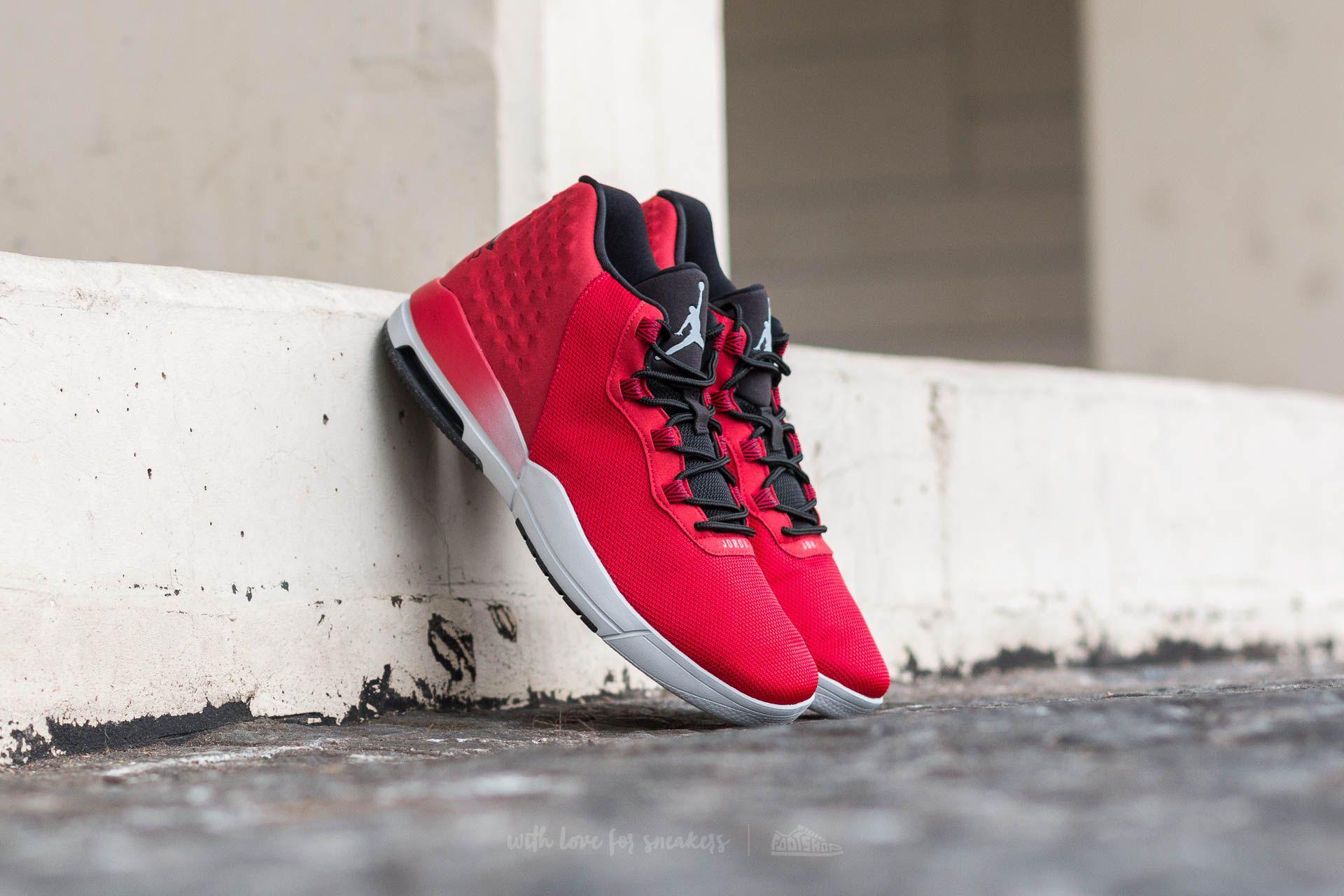60cd132366e Jordan Academy Gym Red  Wolf Grey-Black