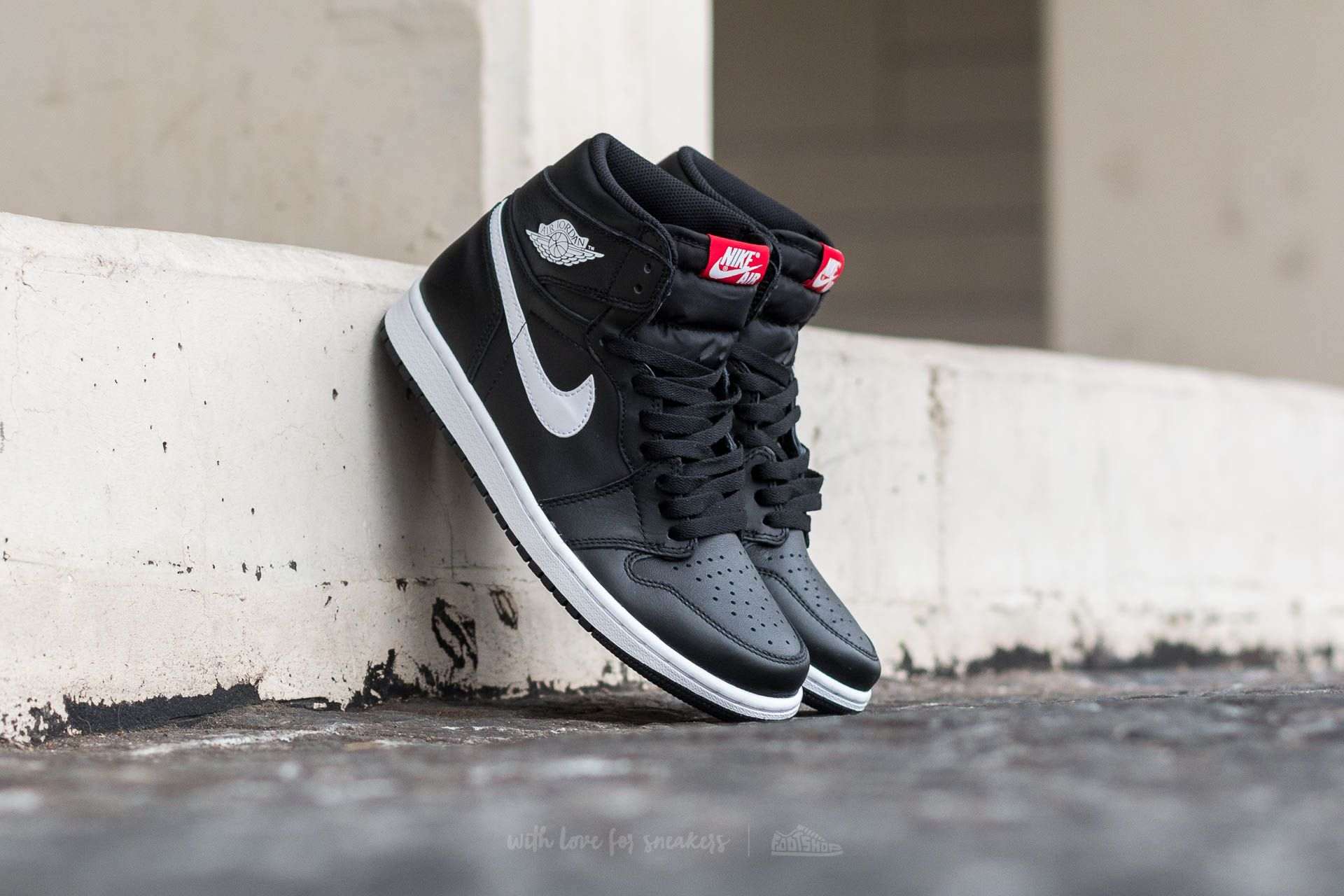a8a2681982ea Air Jordan 1 Retro High OG Black  White-Black