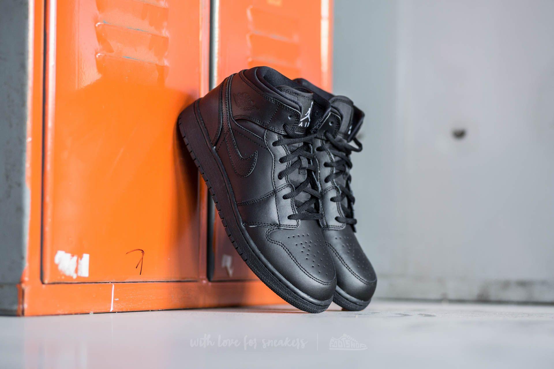 Air Jordan 1 MID BG Black  White  57d204bd51