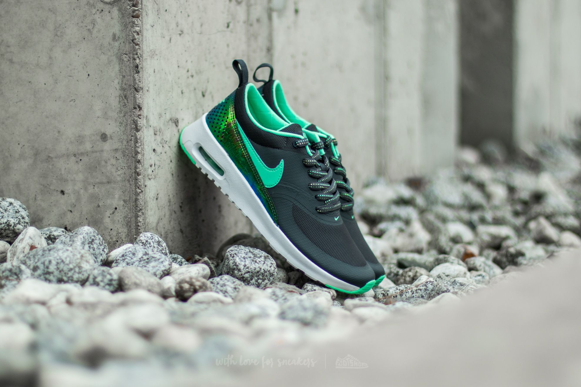 5d212e4be97 Nike Air Max Thea SE (GS) Anthracite/ Green Glow | Footshop