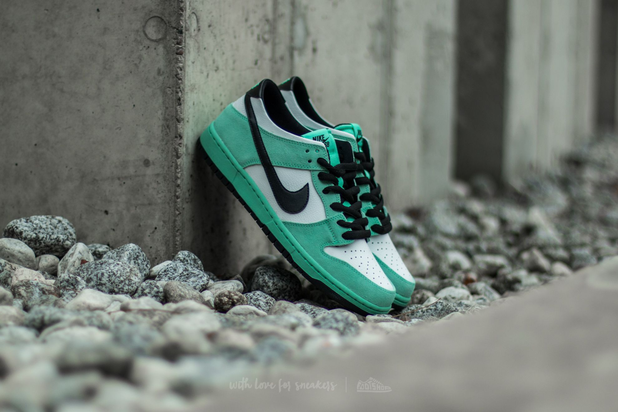 e3610f4b7529 Nike Dunk Low Pro Ishod Wair. Green Glow  Black-Summit White