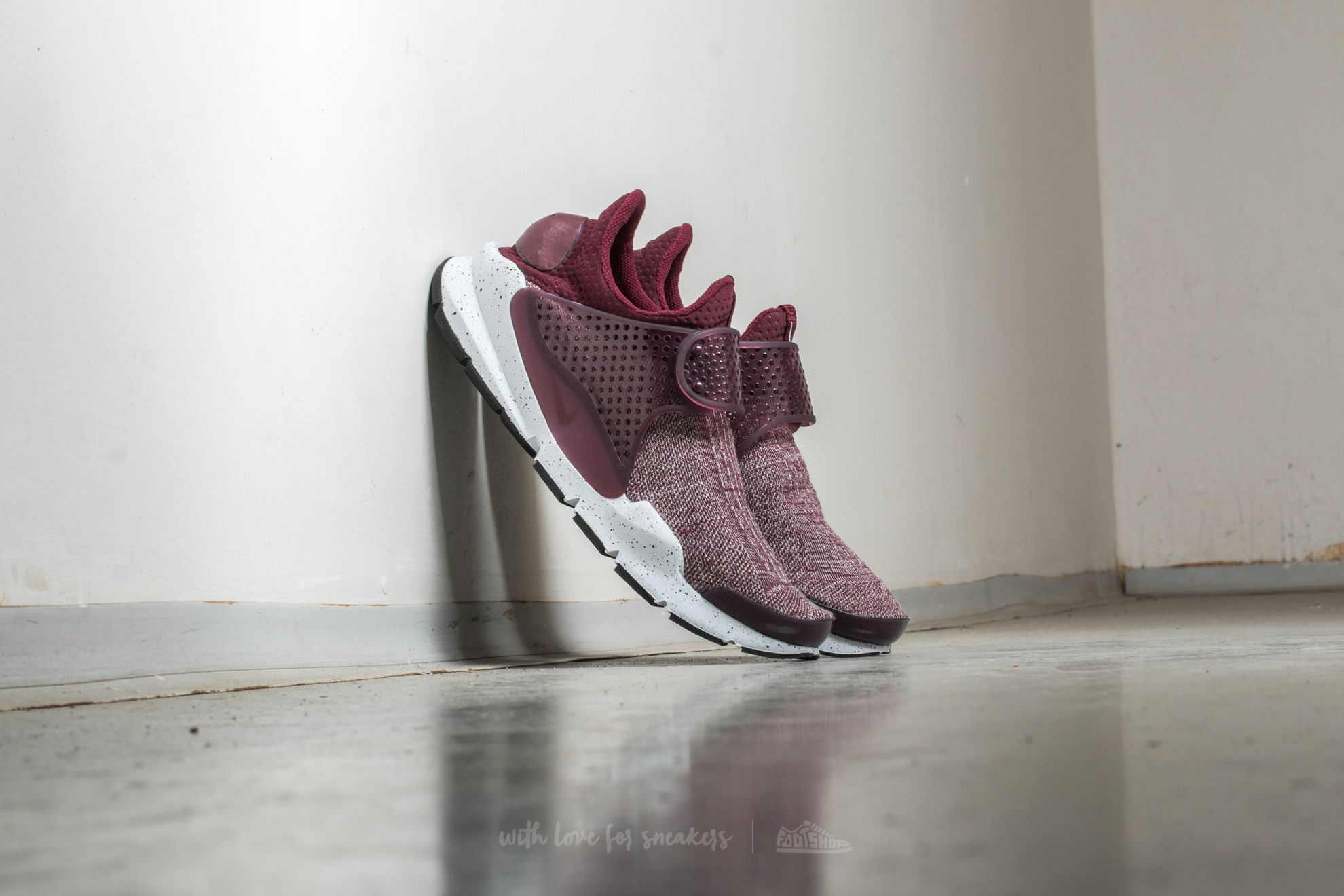 half off bdc40 b25f5 Nike Sock Dart SE Premium. Night Maroon  Night Maroon