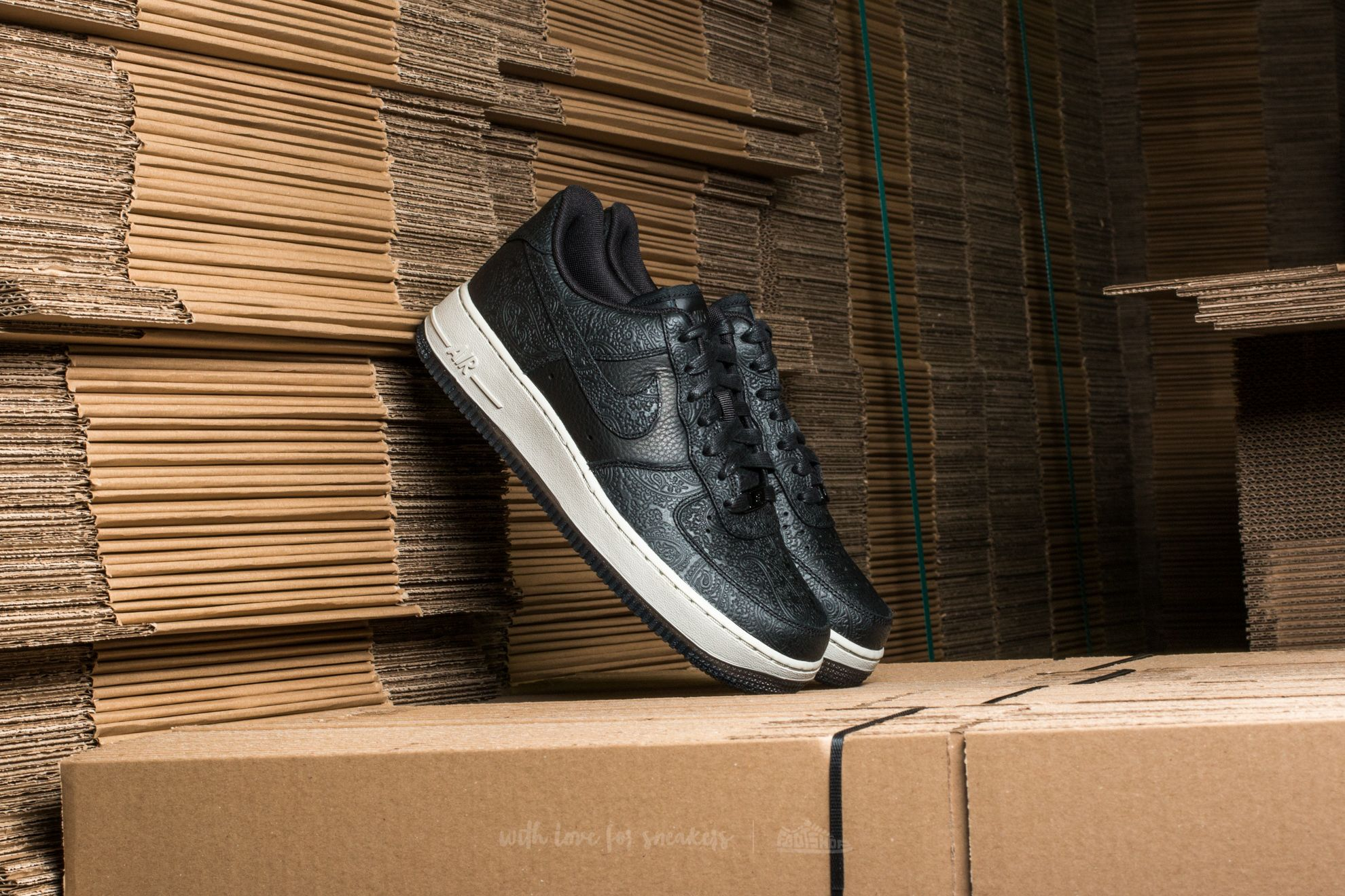 huge selection of 3a92f 0f906 Nike Wmns Air Force 1 ´07 Premium Essential