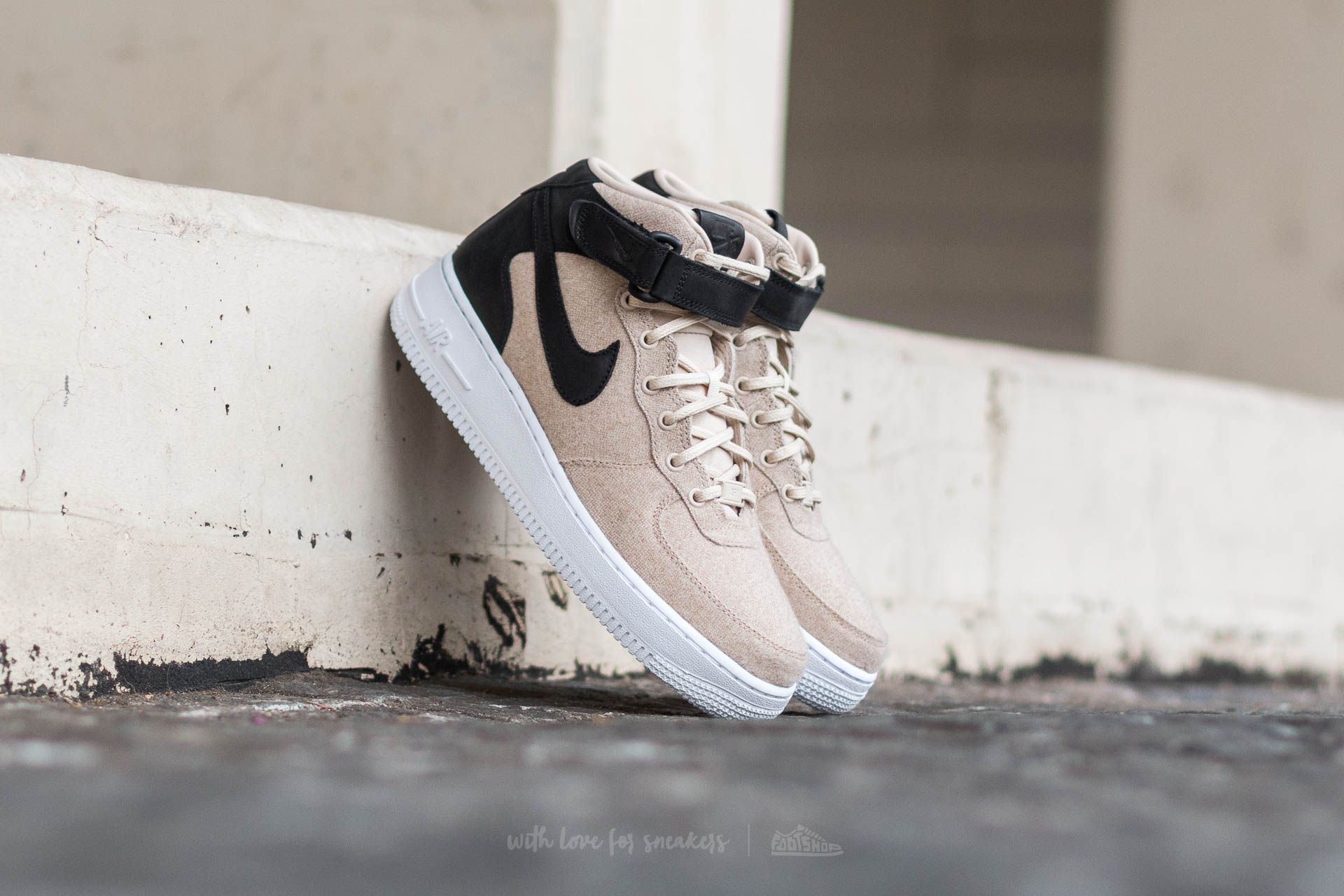 official photos ceb64 c492e Nike W Air Force 1 ´07 MID Leather Premium Oatmeal  Oatmeal