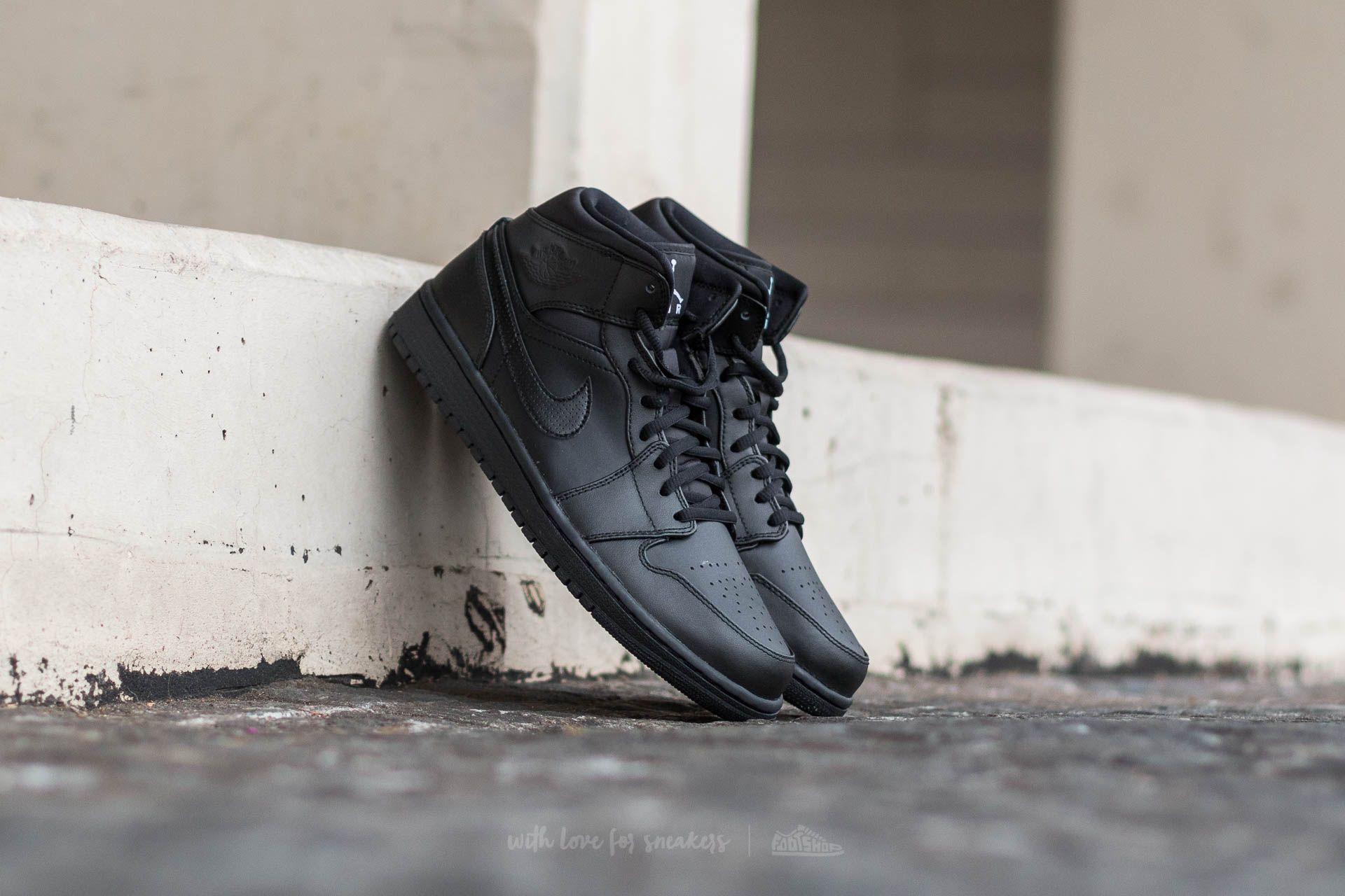 Air Jordan 1 MID Black   White  64aa41272