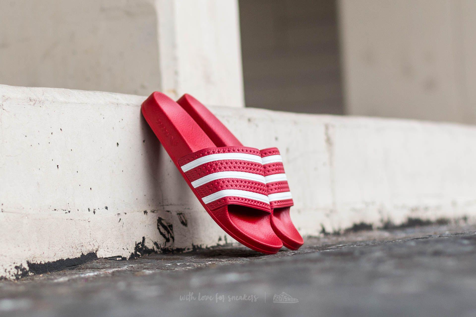 adidas Adilette Light Scarlet/ White/ Light Scarlet za skvělou cenu 940 Kč koupíte na Footshop.cz