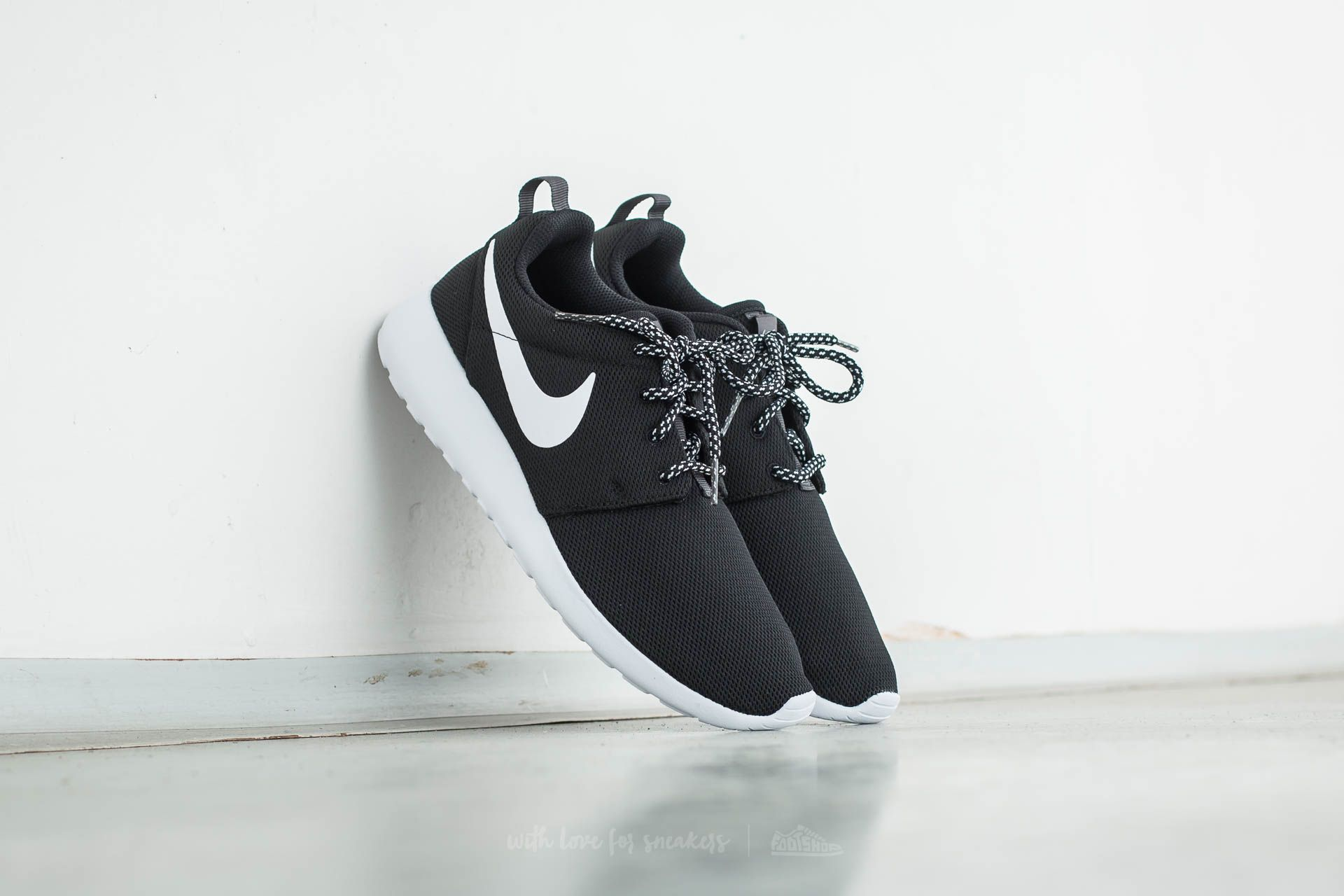 b83ca66e0ab4 Nike W Roshe One Black  White-Dark Grey
