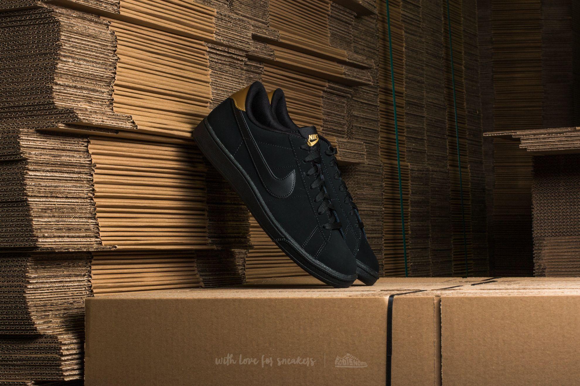 5c7cb5c3e Nike Tennis Classic CS Black  Black-Metallic Gold