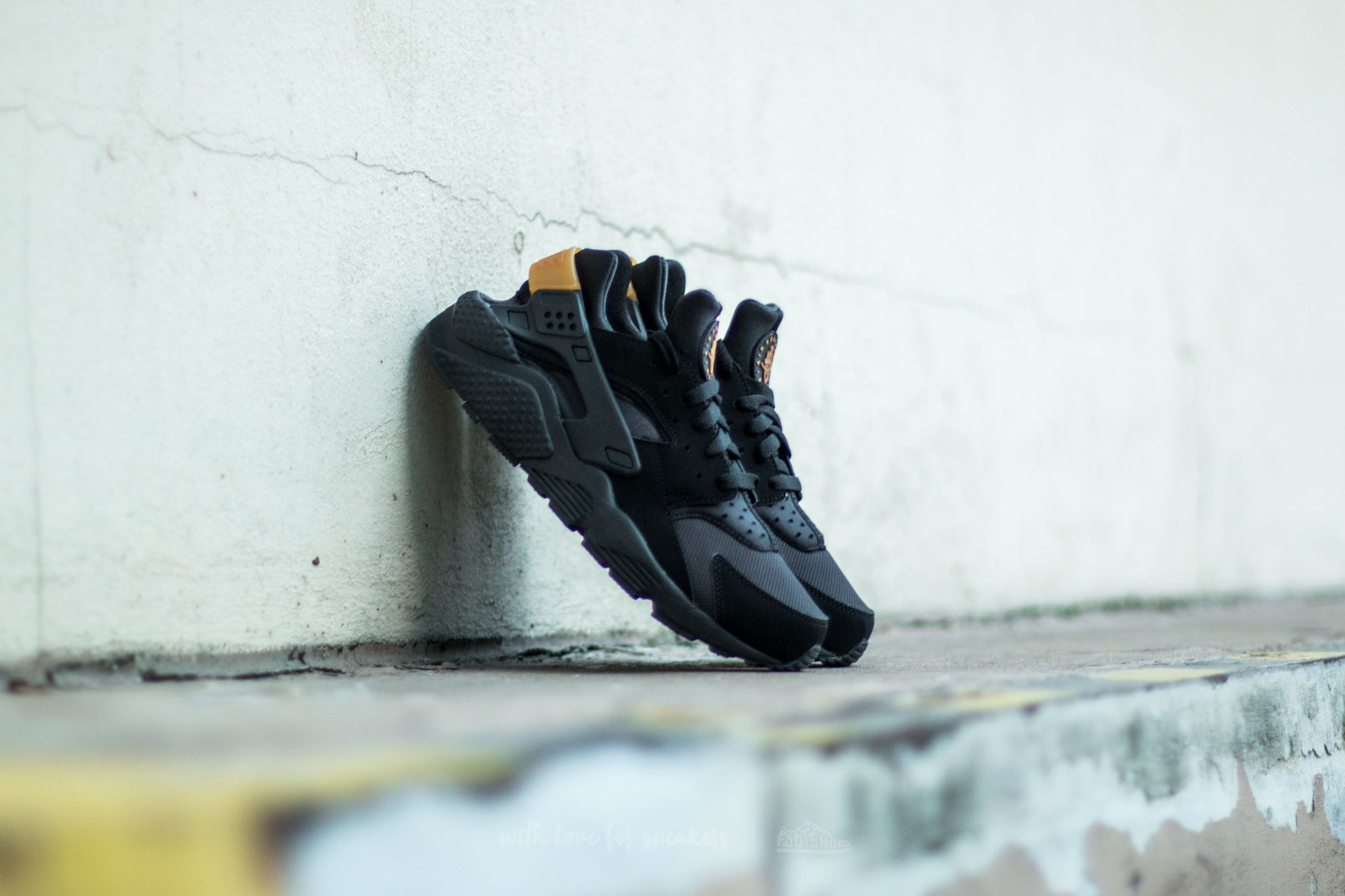 Metallic GoldFootshop Nike Black Air Huarache 0wm8ynOPvN
