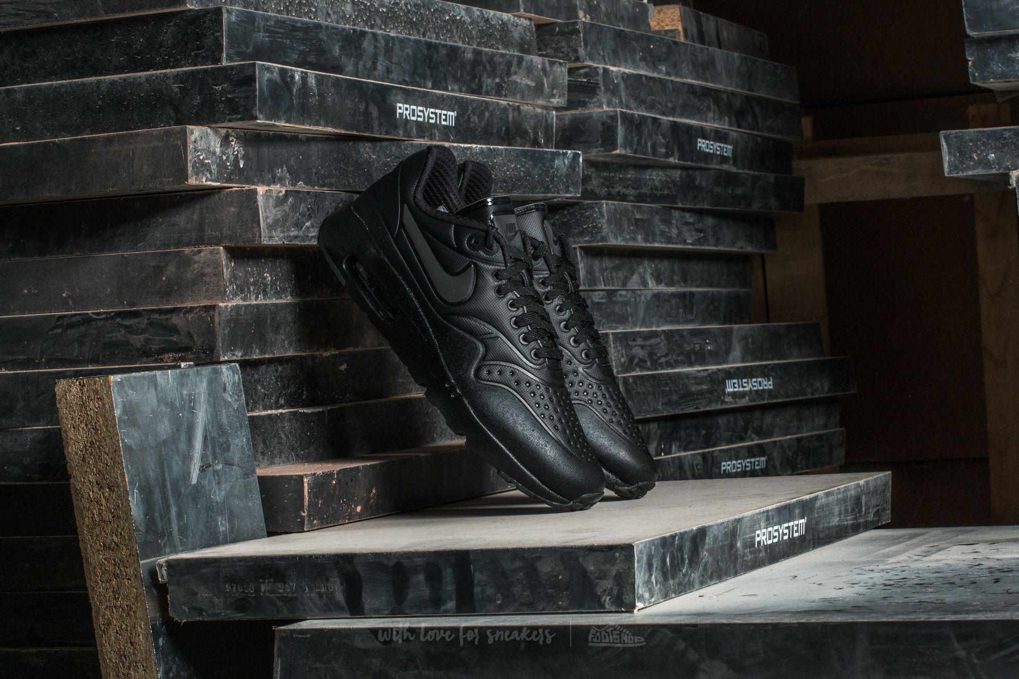 Nike Air Max 1 Ultra SE Premium Black  Metallic Hematite-Black ... b5e166cbe3