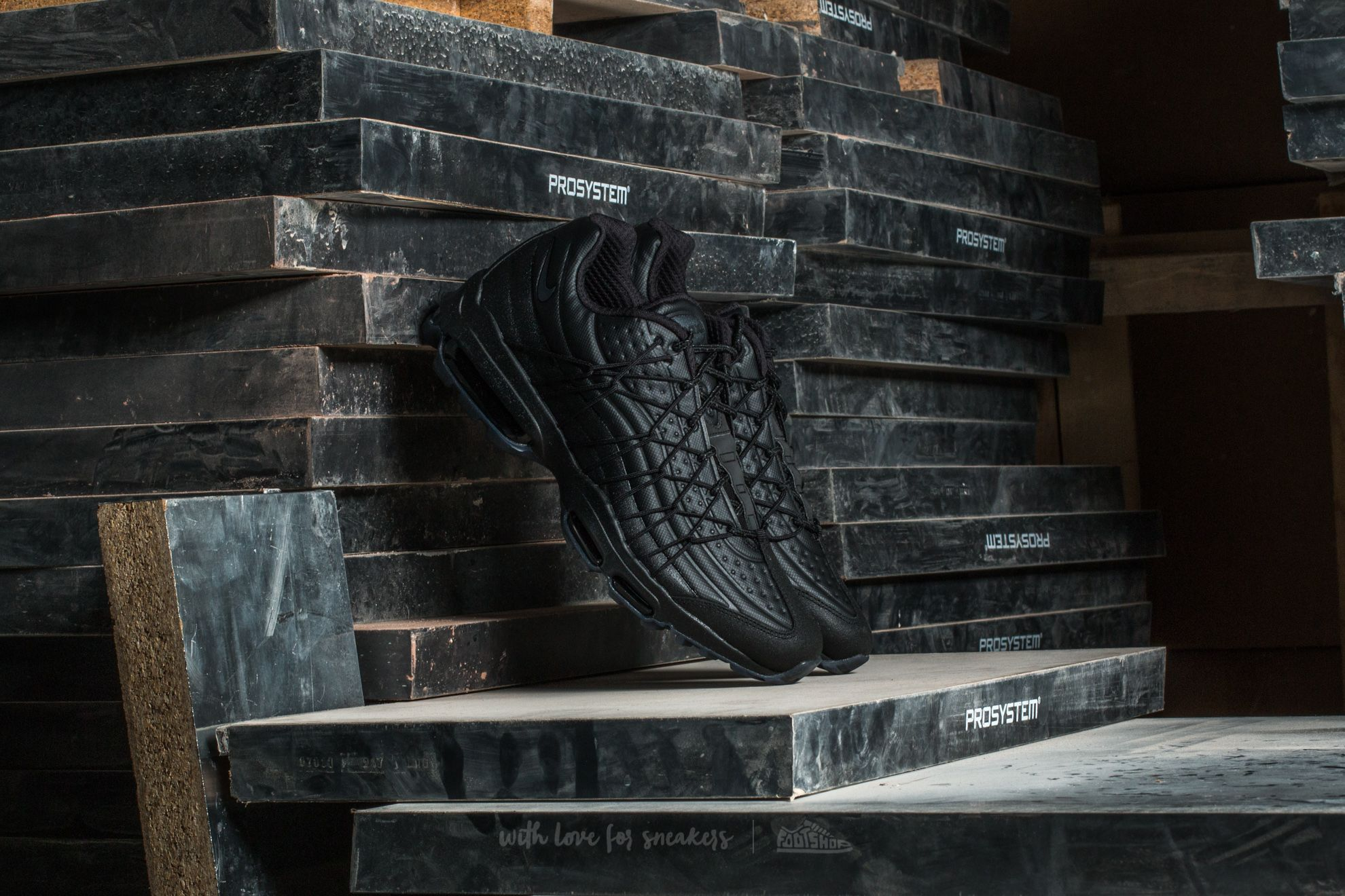 64695054b8e3b1 Nike Air Max 95 Ultra SE Premium Black  Metallic Hematite-Black ...