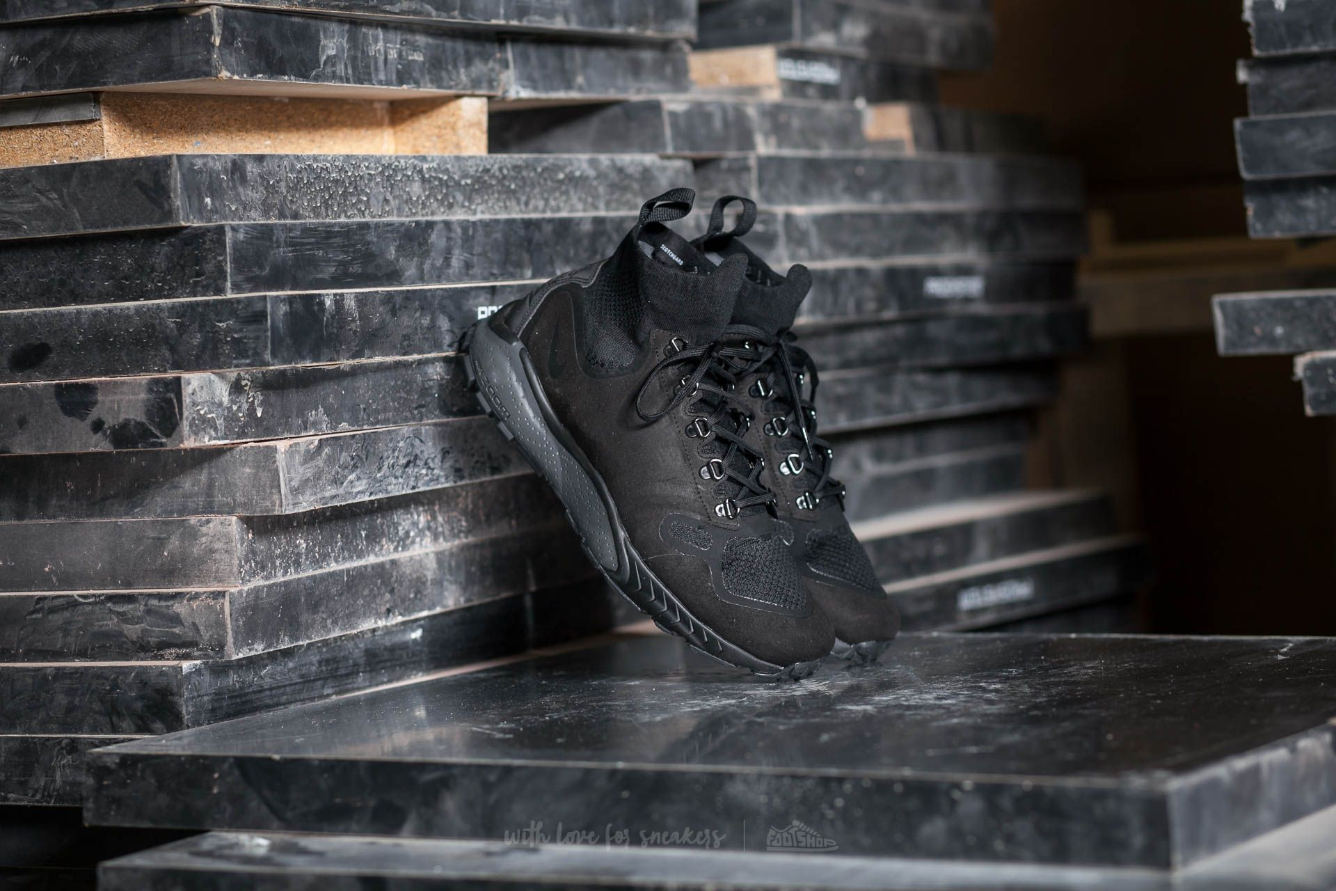 86edee2c5ff4b Nike Zoom Talaria Mid Flyknit Black  Black-Black-Dark Grey