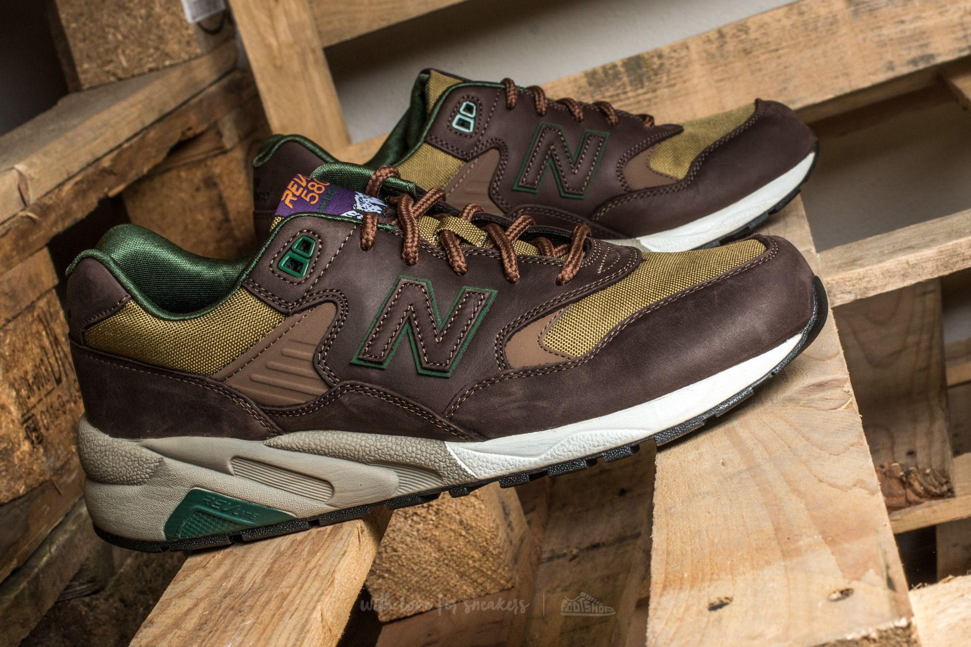 more photos 3a964 03348 New Balance MRT580LB | Footshop