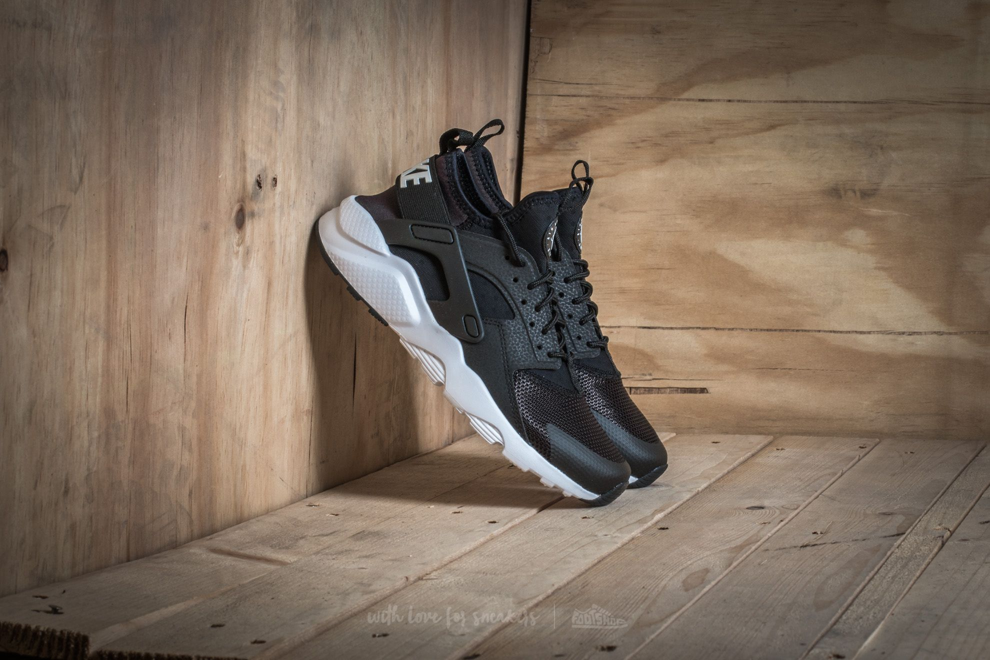 Nike Air Huarache Run Ultra (GS) Black  White  37c1fb2b4