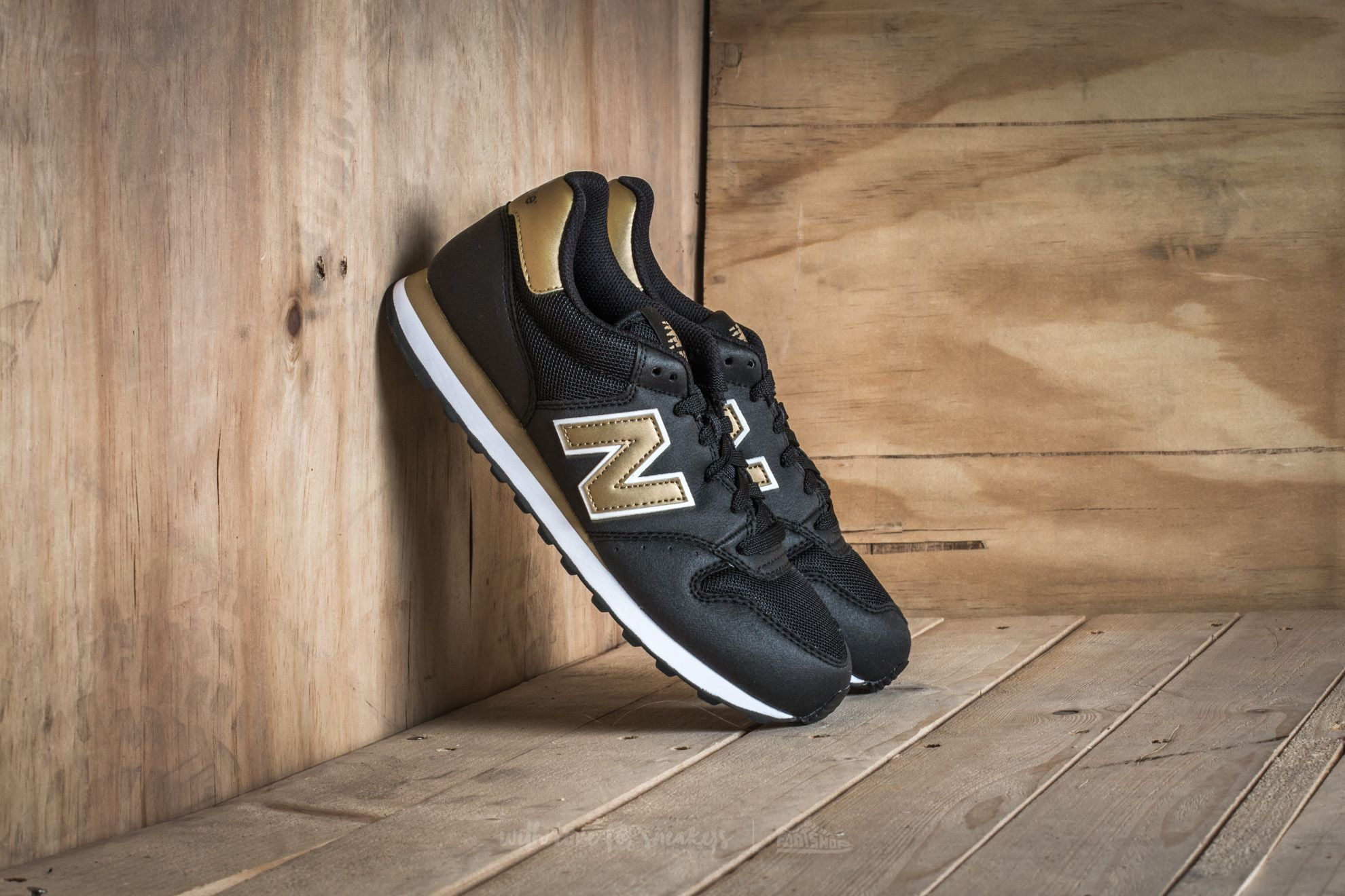 official photos 0c056 1236a New Balance 500. Black  Gold