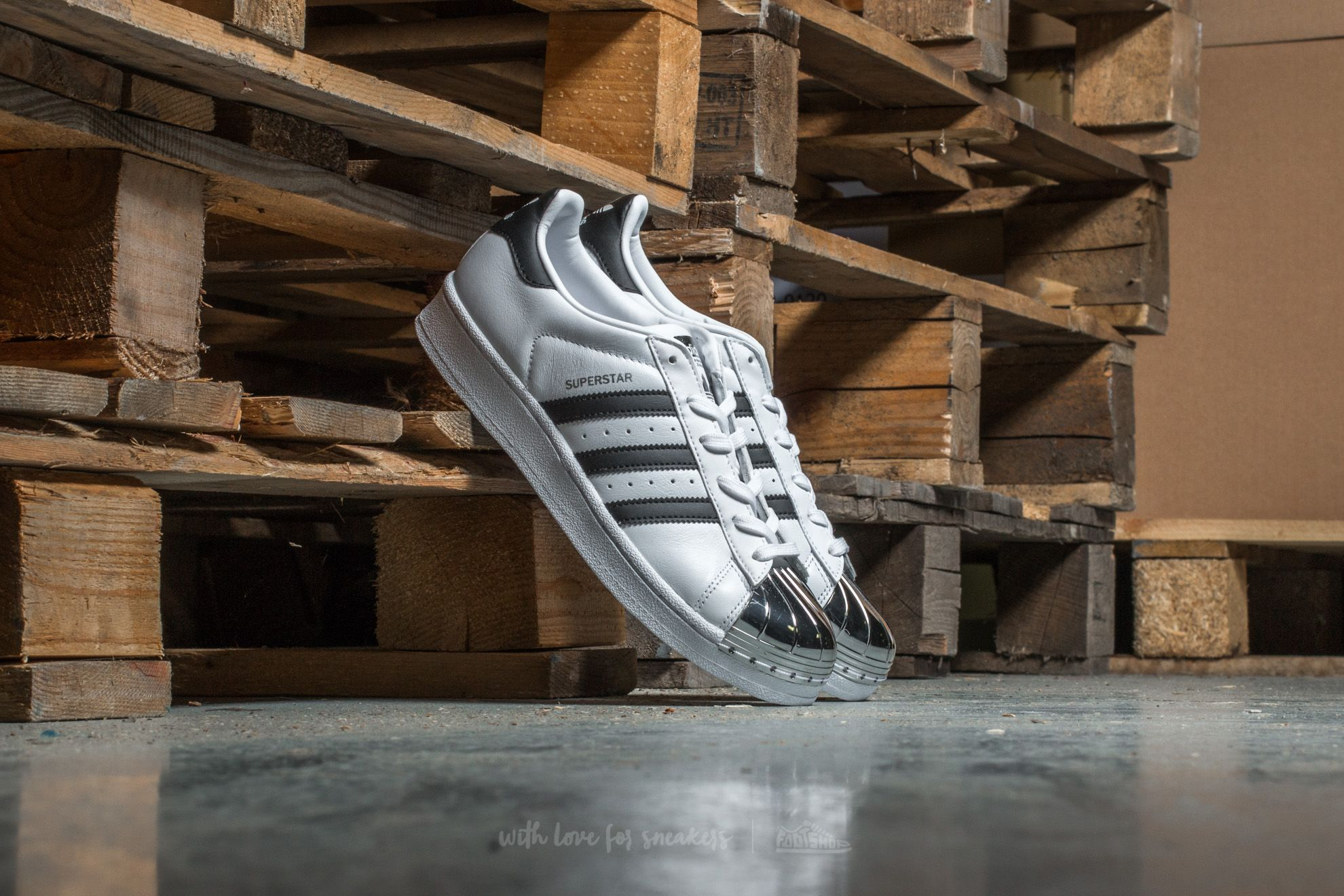 brand new 5e52a 516d2 adidas Superstar Metal Toe W. Ftw White  Core Black  Silver