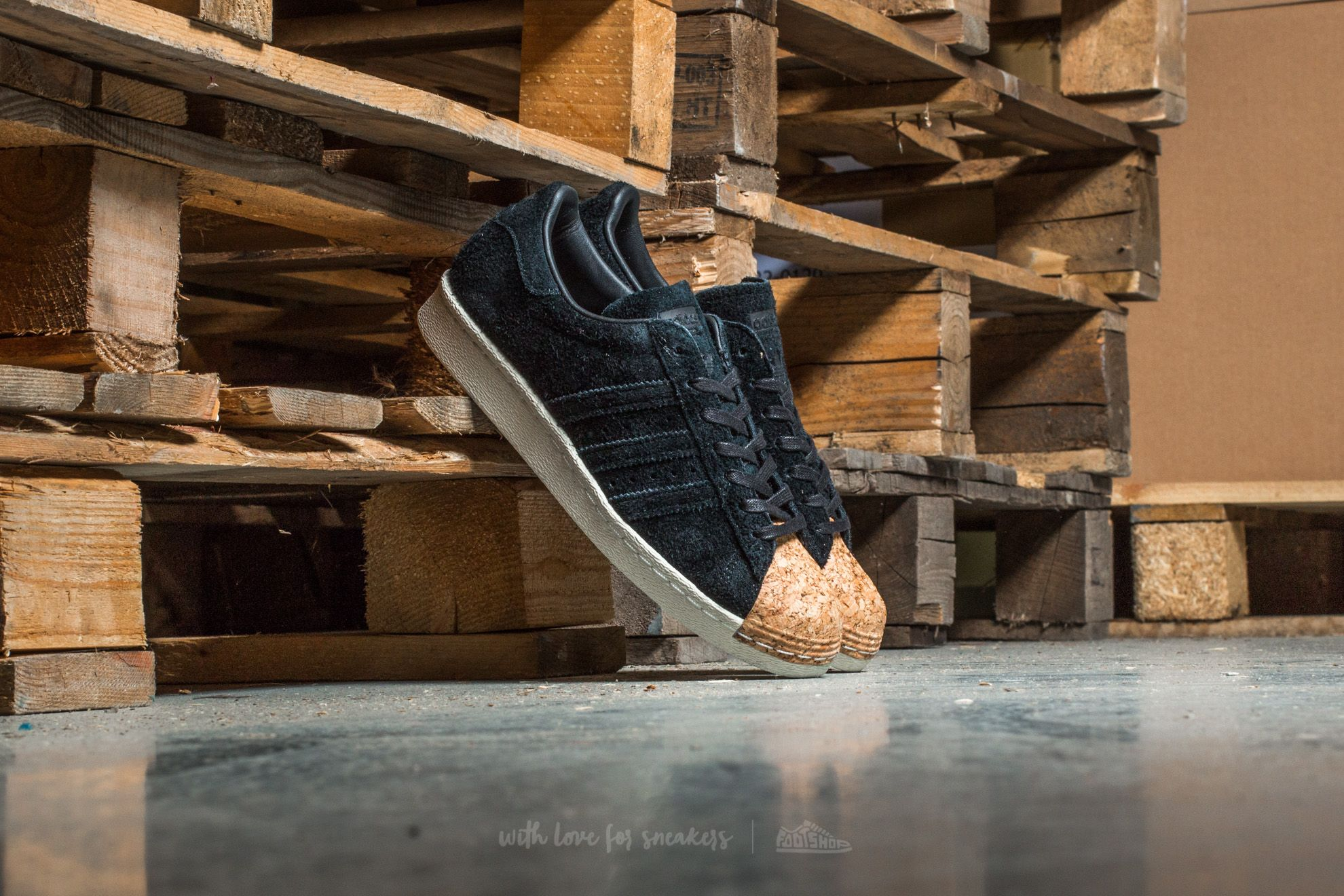 cheaper a1e31 de7e9 adidas Superstar 80s Cork W Core Black  Core Black  Off White