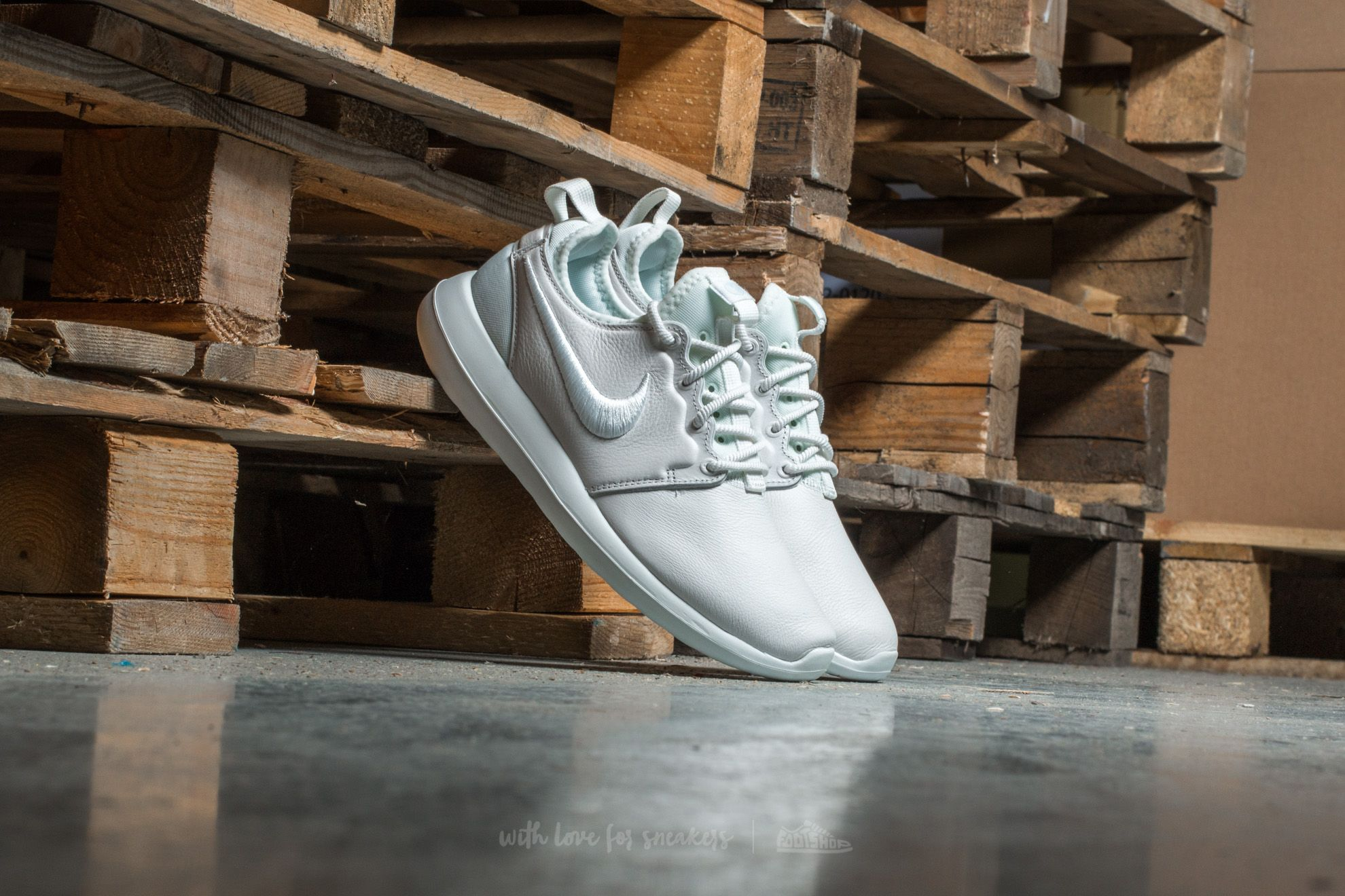 a9413359d896c Nike W Roshe Two SI Summit White  Summit White